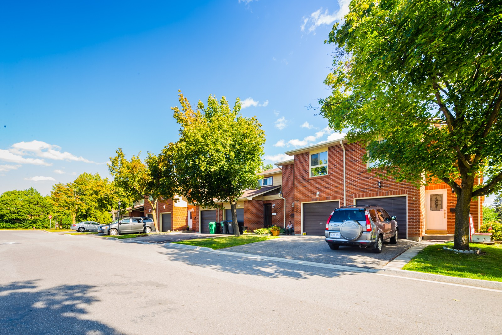 98 Foster Crescent Townhouses at 2 Foster Crescent, Brampton 0