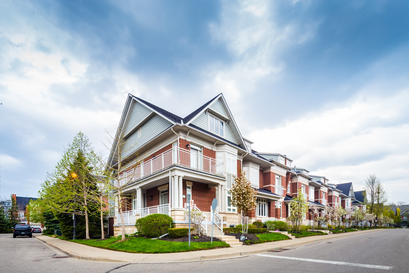 58 Compass Way Townhouses at 58 Compass Way, Mississauga 1