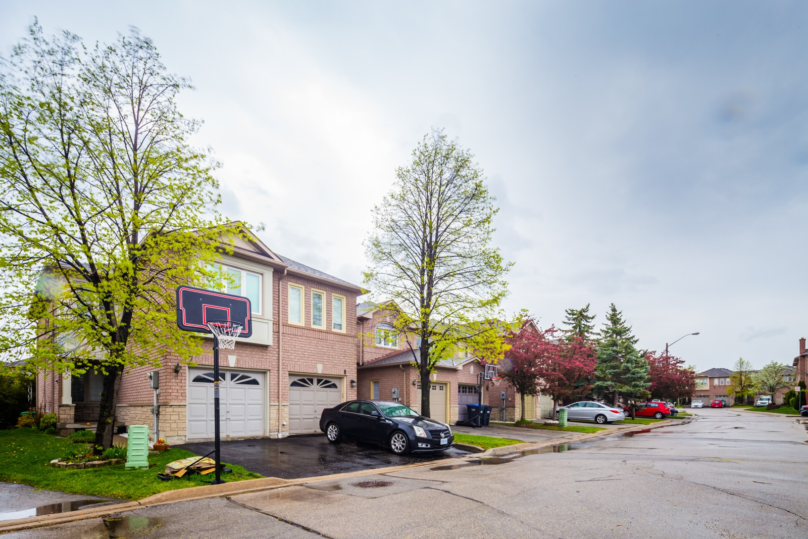 1285 Bristol Road Townhouses at 1285 Bristol Rd W, Mississauga 1