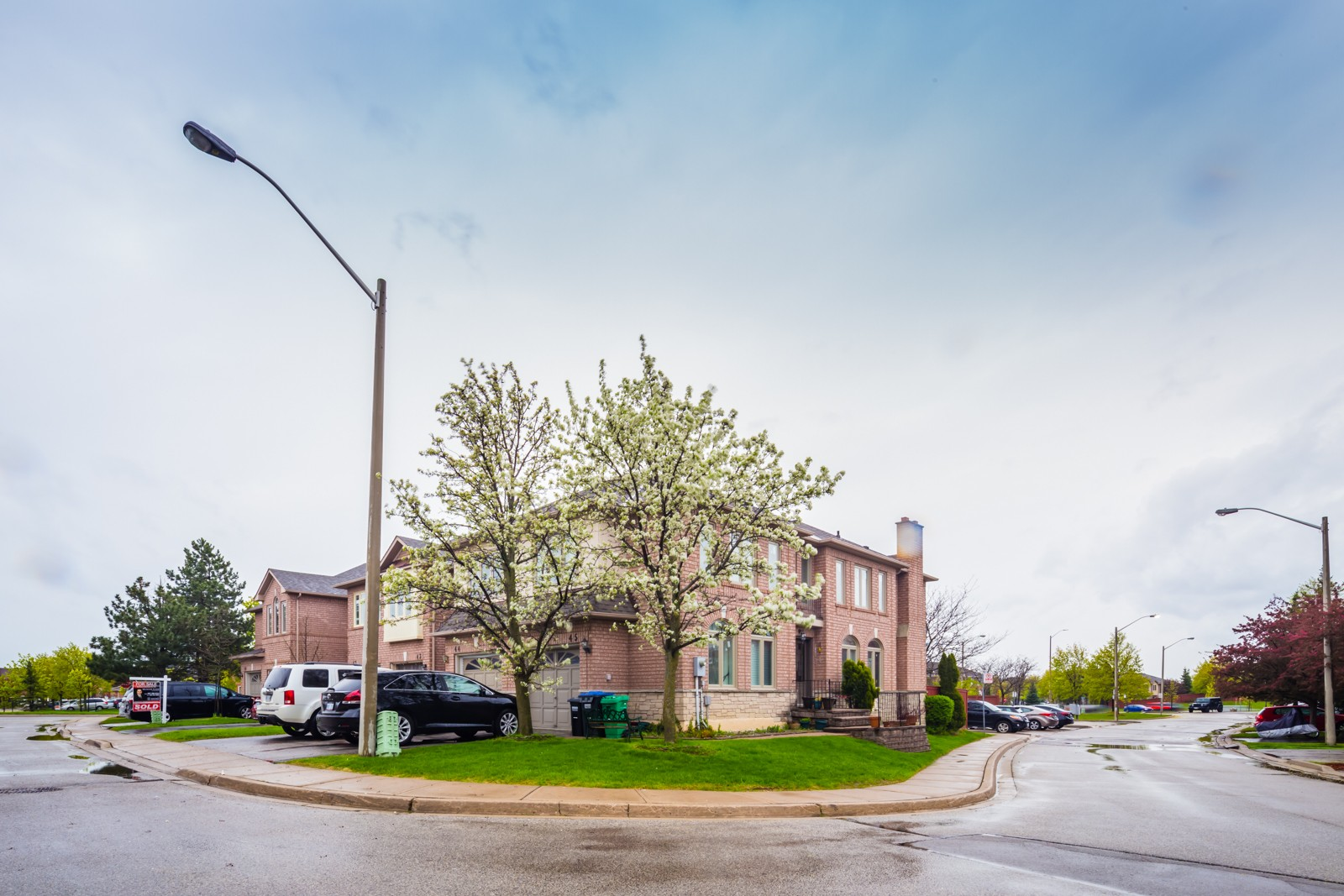1285 Bristol Road Townhouses at 1285 Bristol Rd W, Mississauga 0