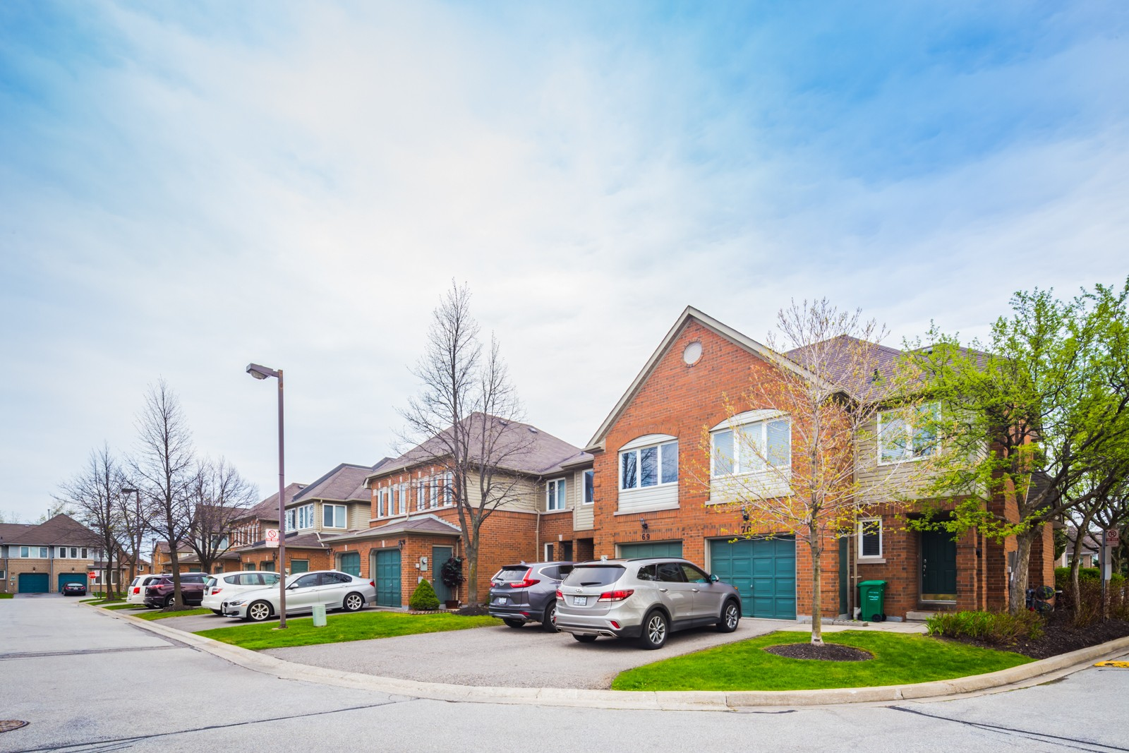 Thomas Grove I at 2550 Thomas St, Mississauga 0