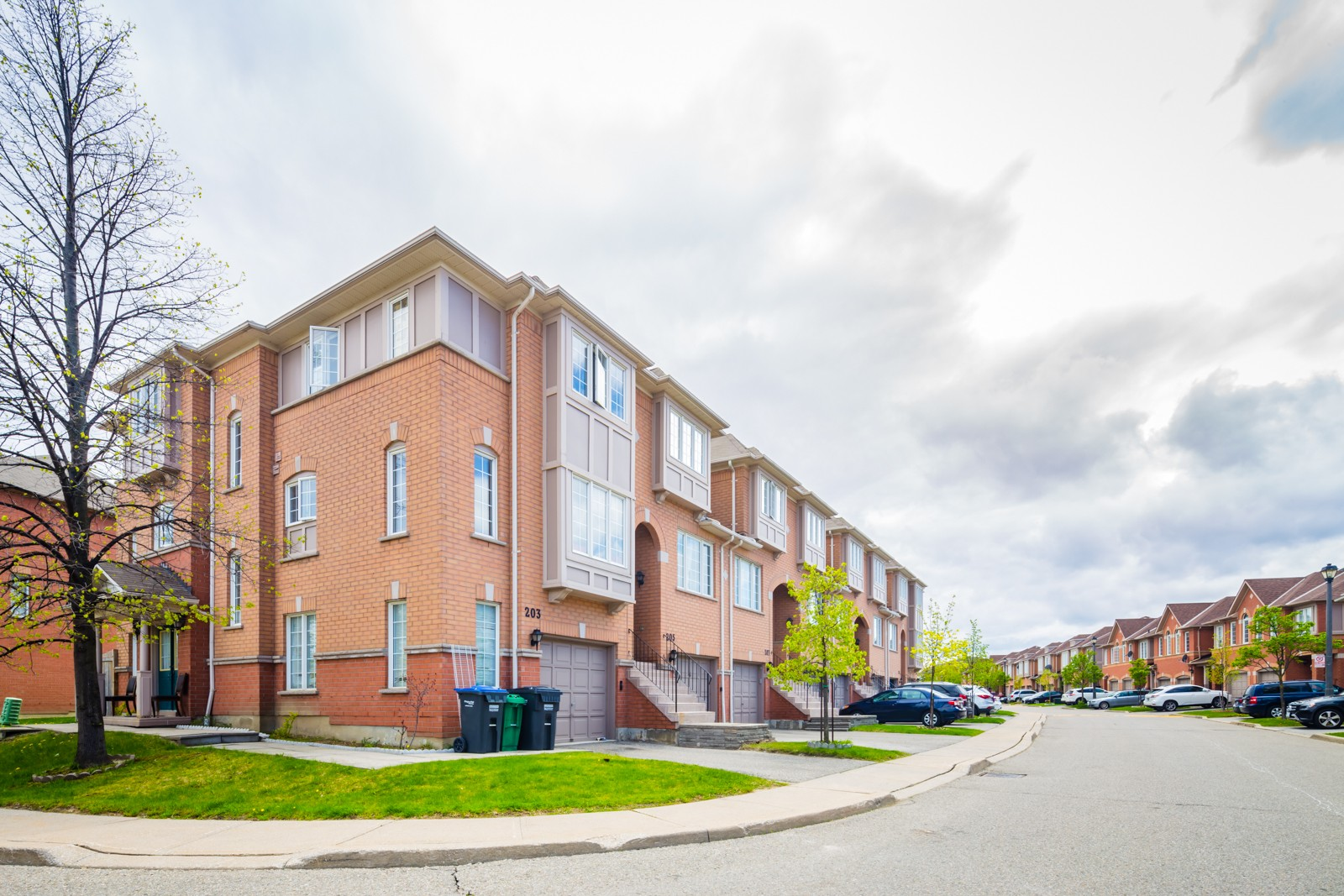 5030 Heatherleigh Ave Townhouses at 5030 Heatherleigh Ave, Mississauga 1