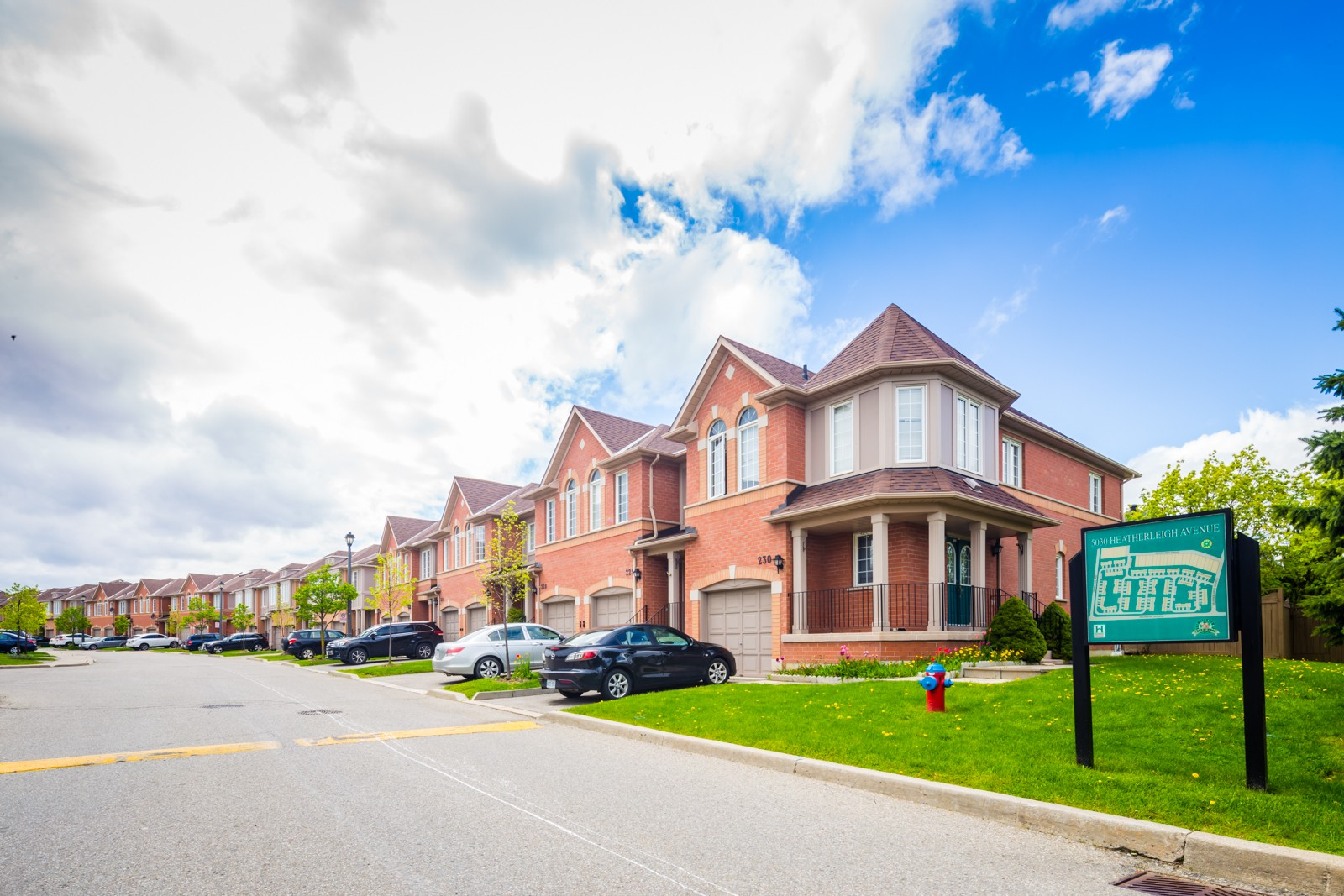 5030 Heatherleigh Ave Townhouses at 5030 Heatherleigh Ave, Mississauga 0