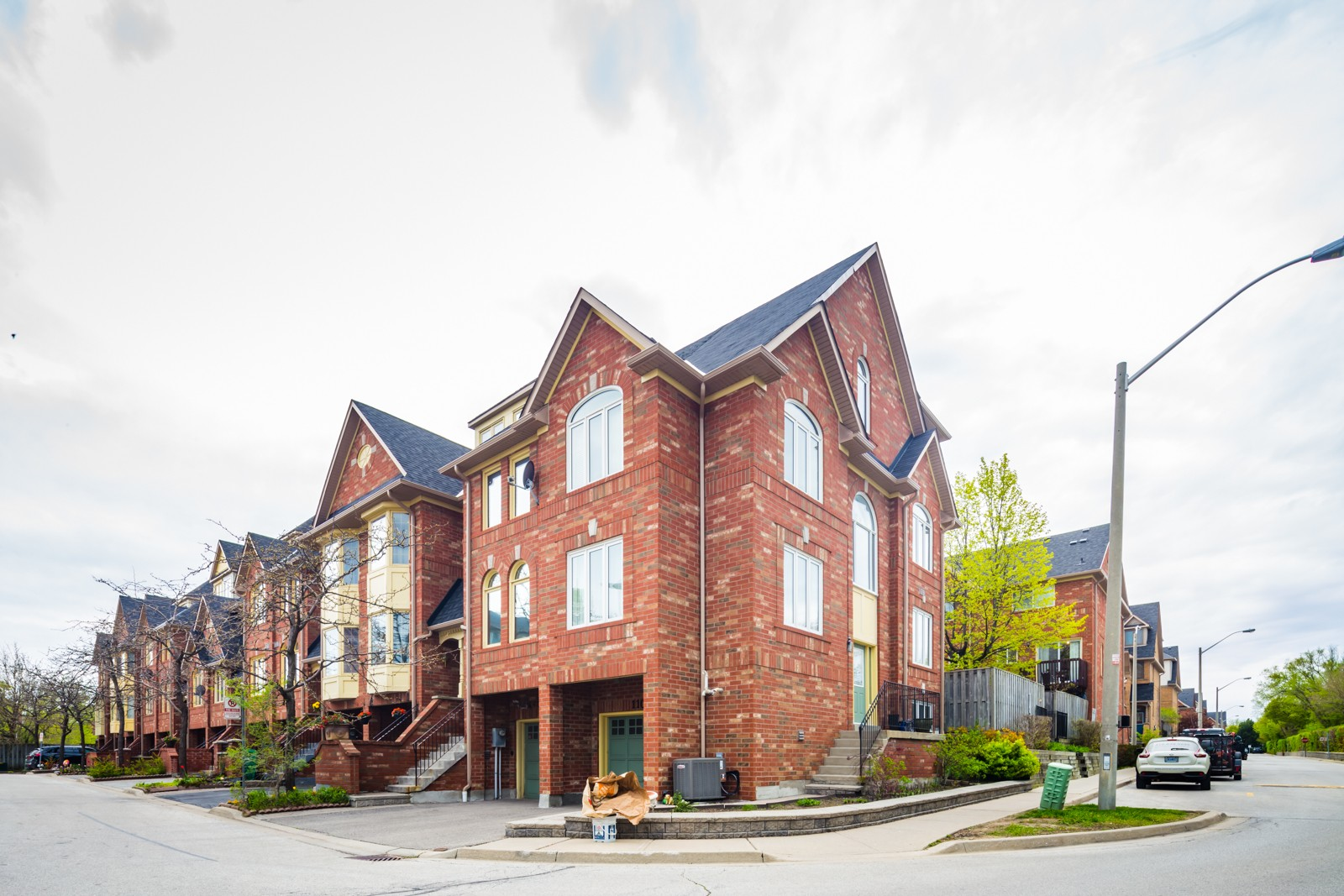 1168 Arena Rd Townhouses at 1168 Arena Rd, Mississauga 0