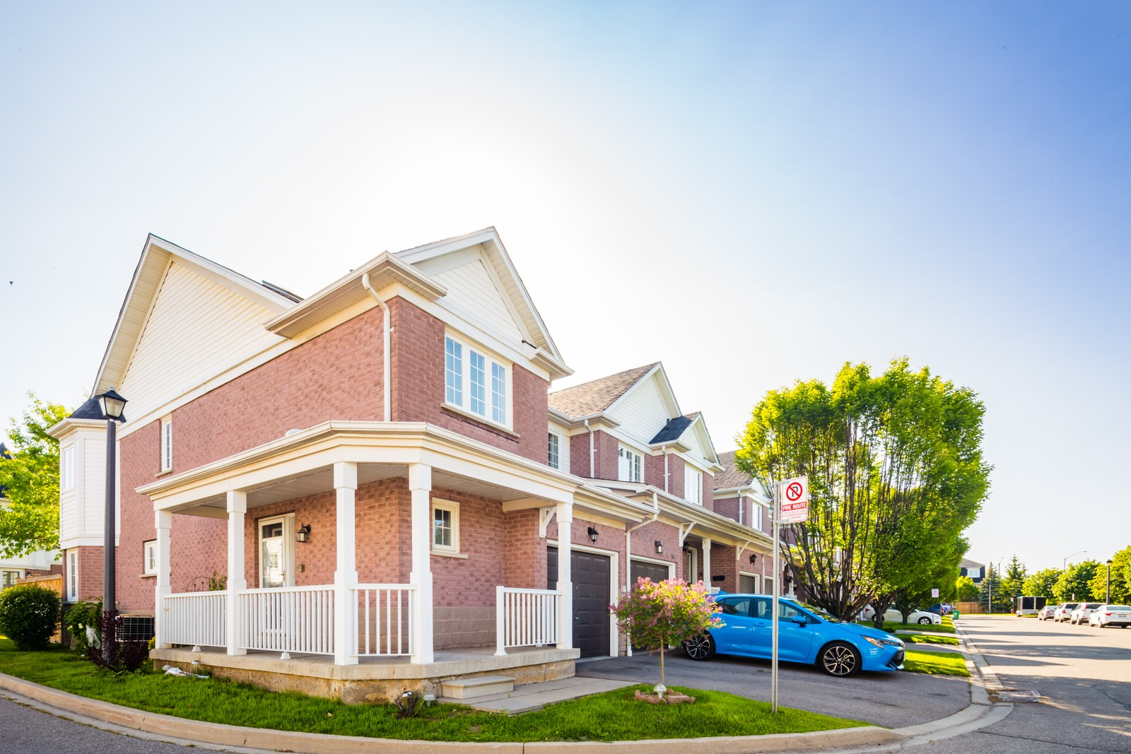 6830 Meadowvale Town Centre Townhouses at 6830 Meadowvale Town Centre Cir, Mississauga 1