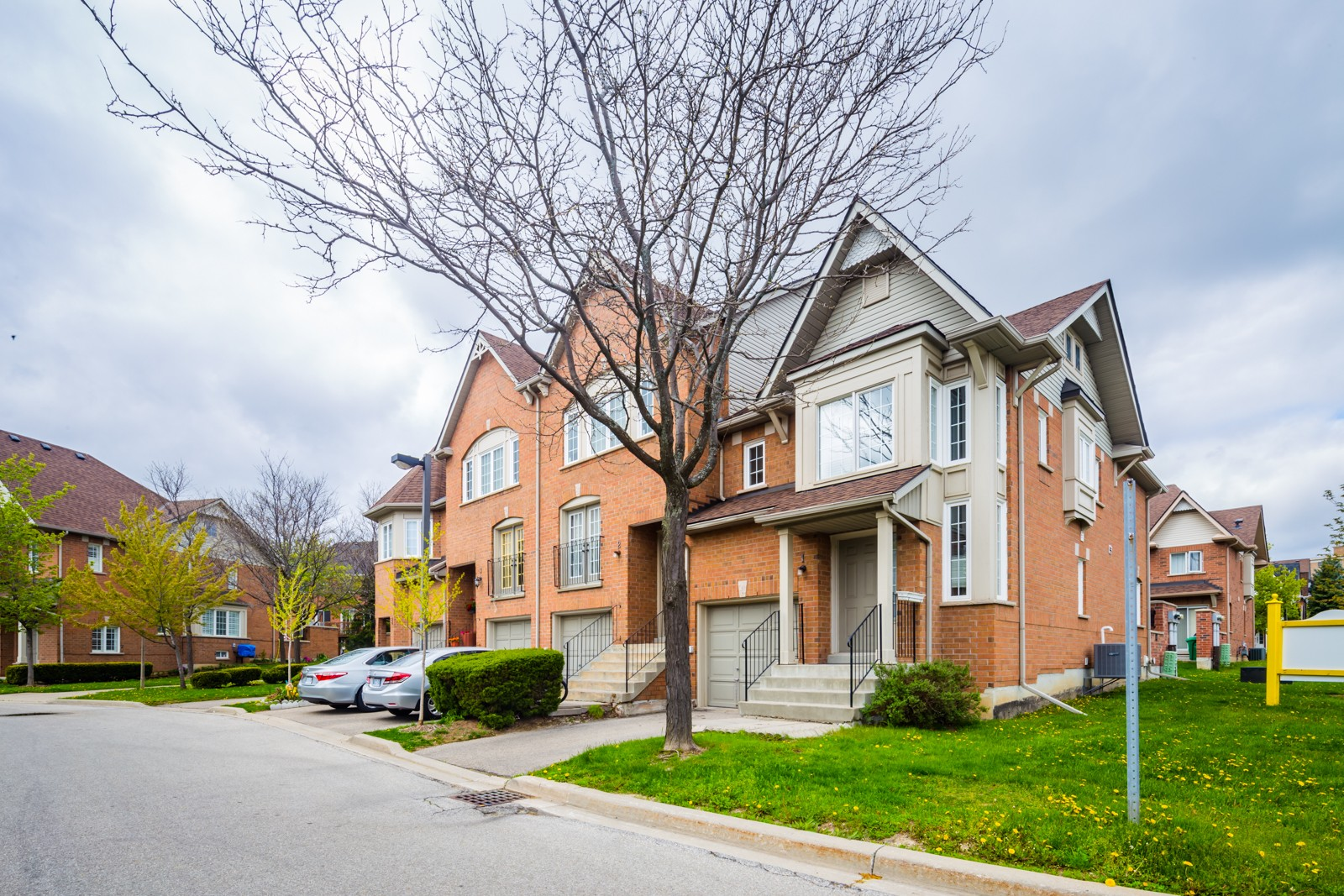 1591 South Parade Crt Townhouses at 1591 S Parade Crt, Mississauga 0