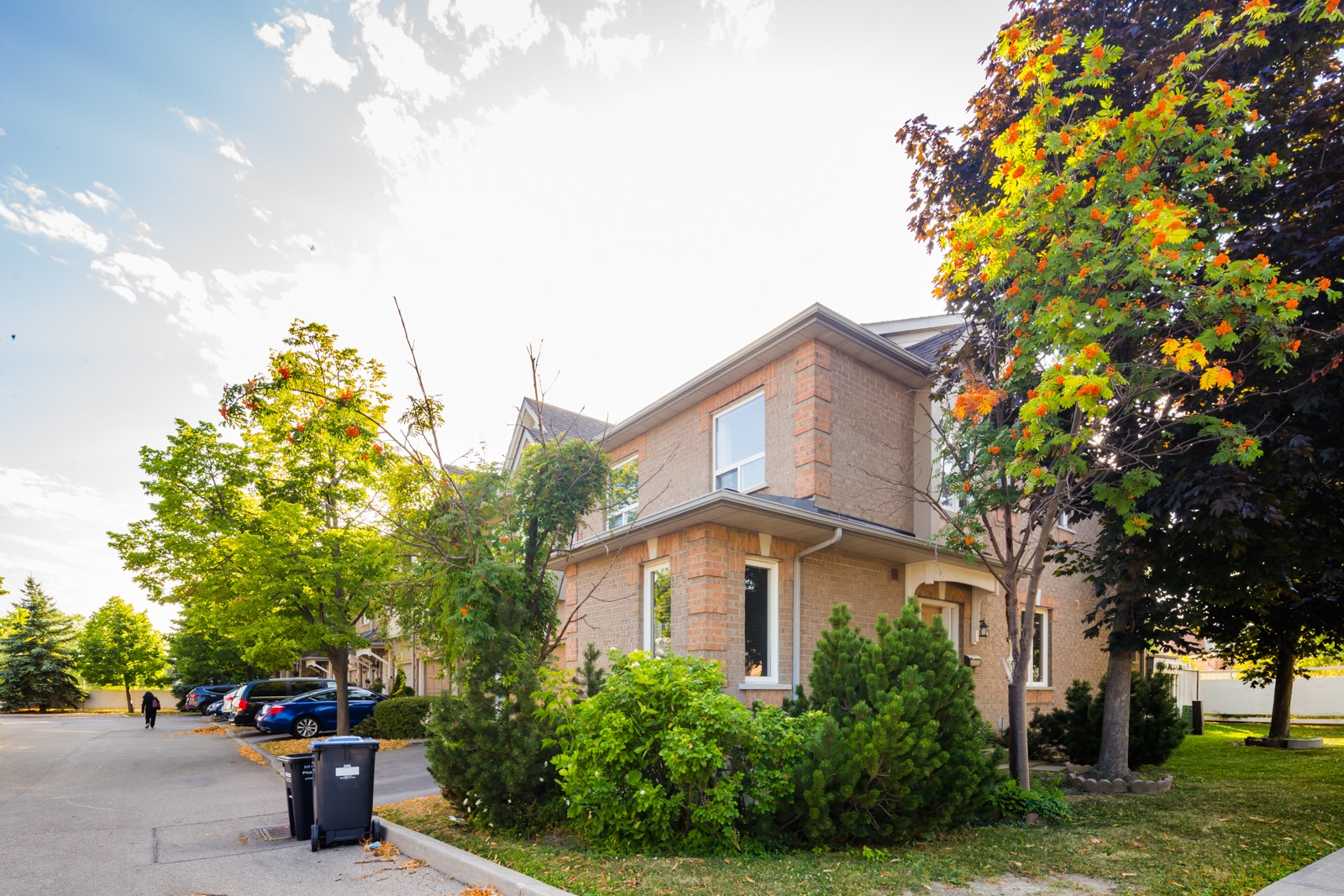 1242 Parkwest Townhouses at 1241 Parkwest Pl, Mississauga 0