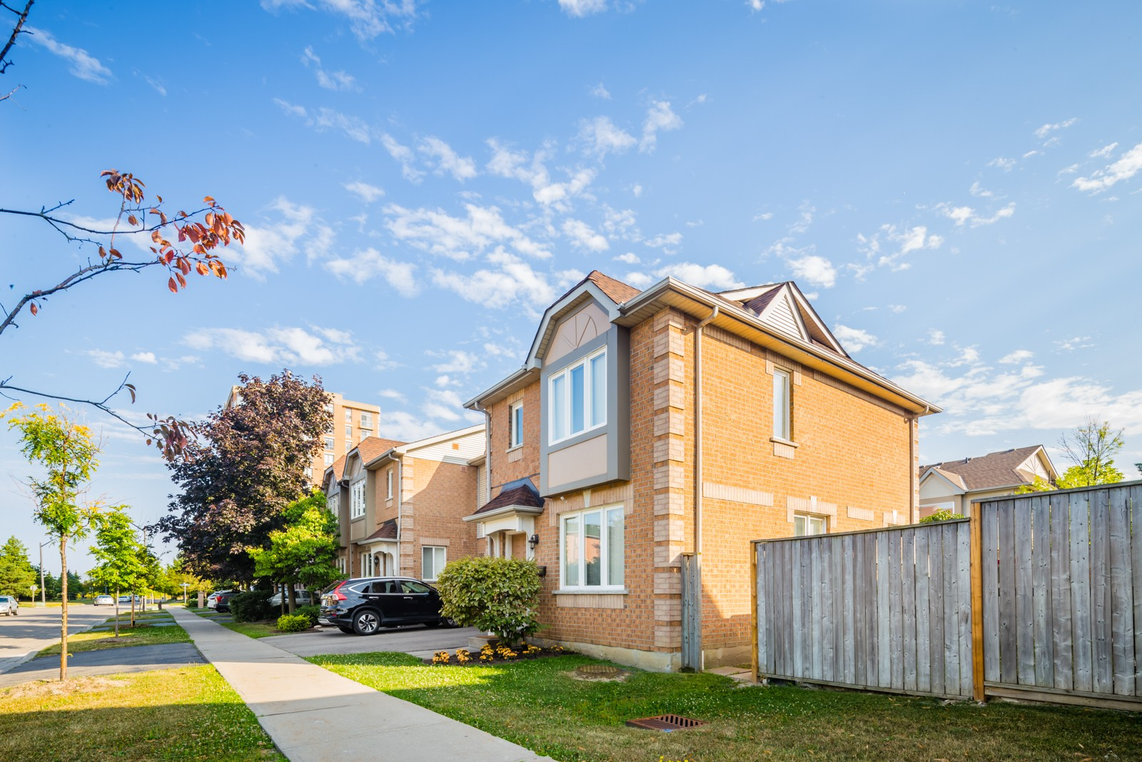 1242 Parkwest Townhouses at 1241 Parkwest Pl, Mississauga 1
