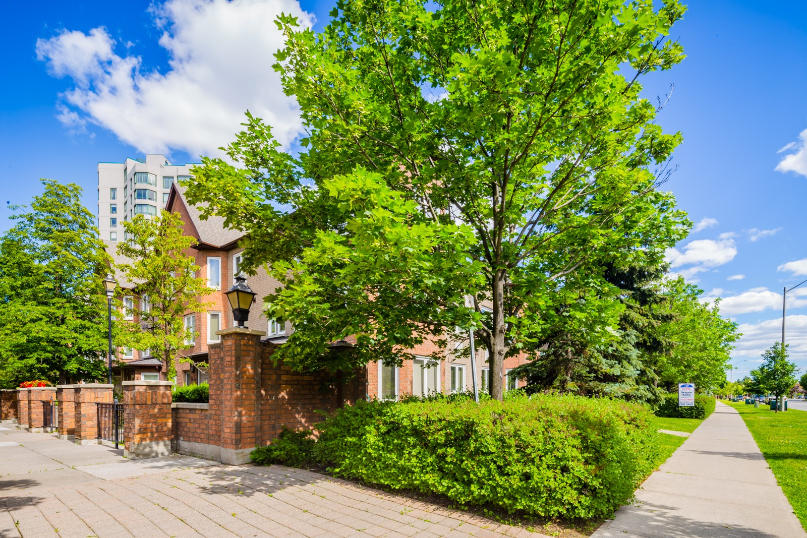 735 New Westminster Drive Townhouses at 735 New Westminster Dr, Vaughan 1
