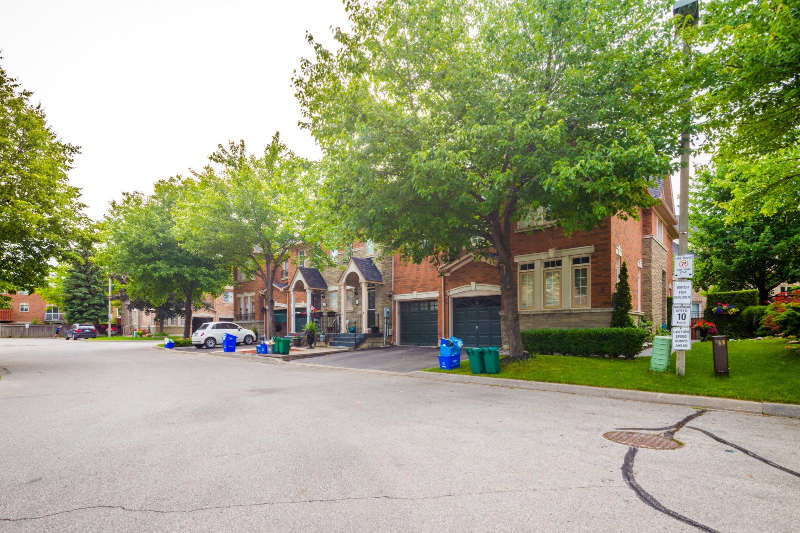 180 Blue Willow Dr Townhouses at 180 Blue Willow Dr, Vaughan 1