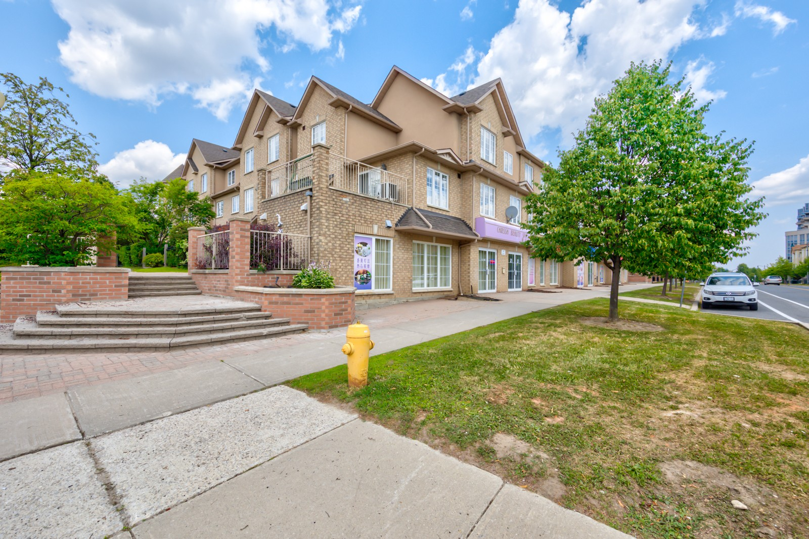 1 Alpen Way Townhouses at 1 Alpen Way, Markham 1