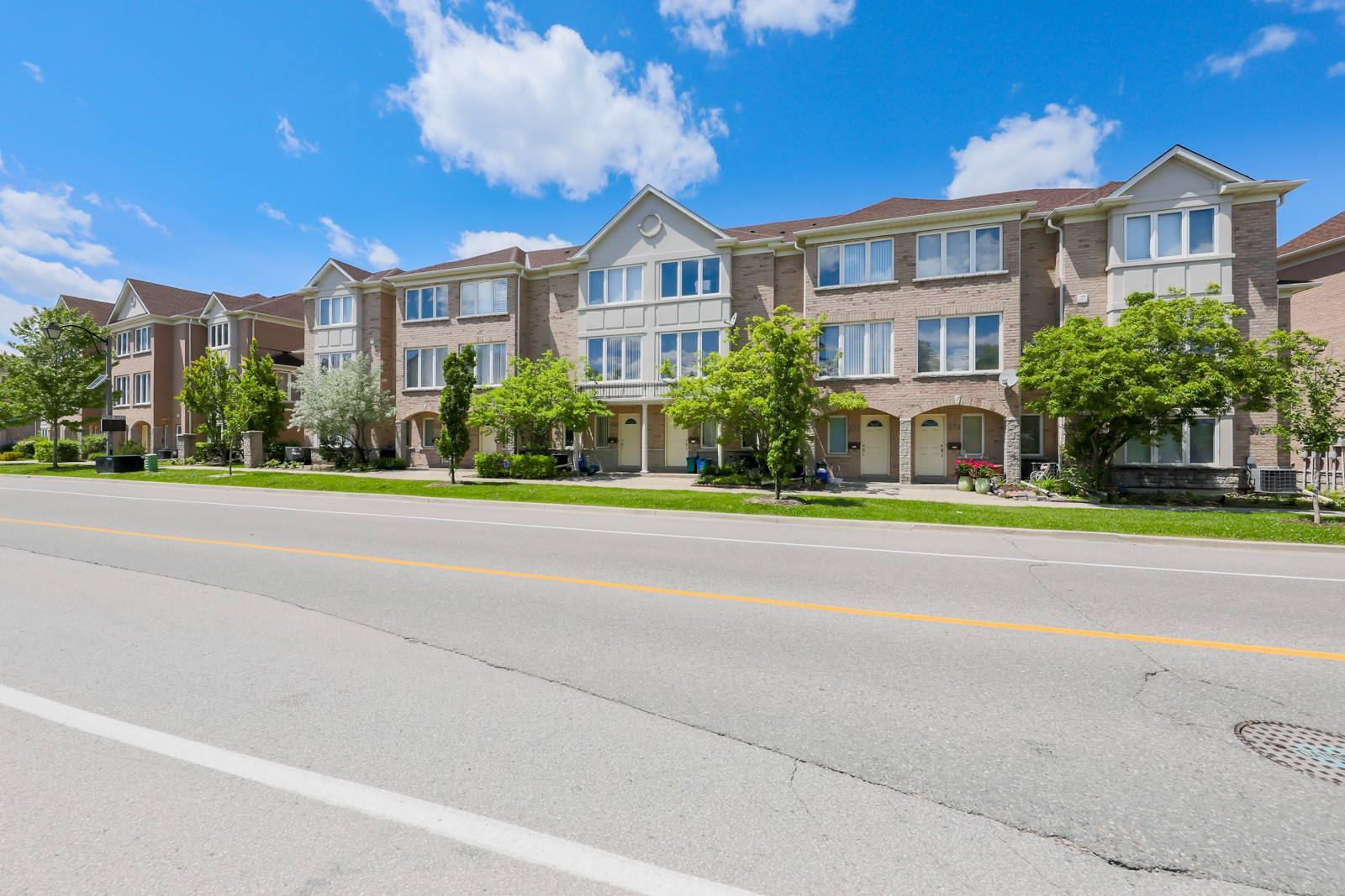 368 South Park Rd Townhouses at 30 Leitchcroft Crescent, Markham 0