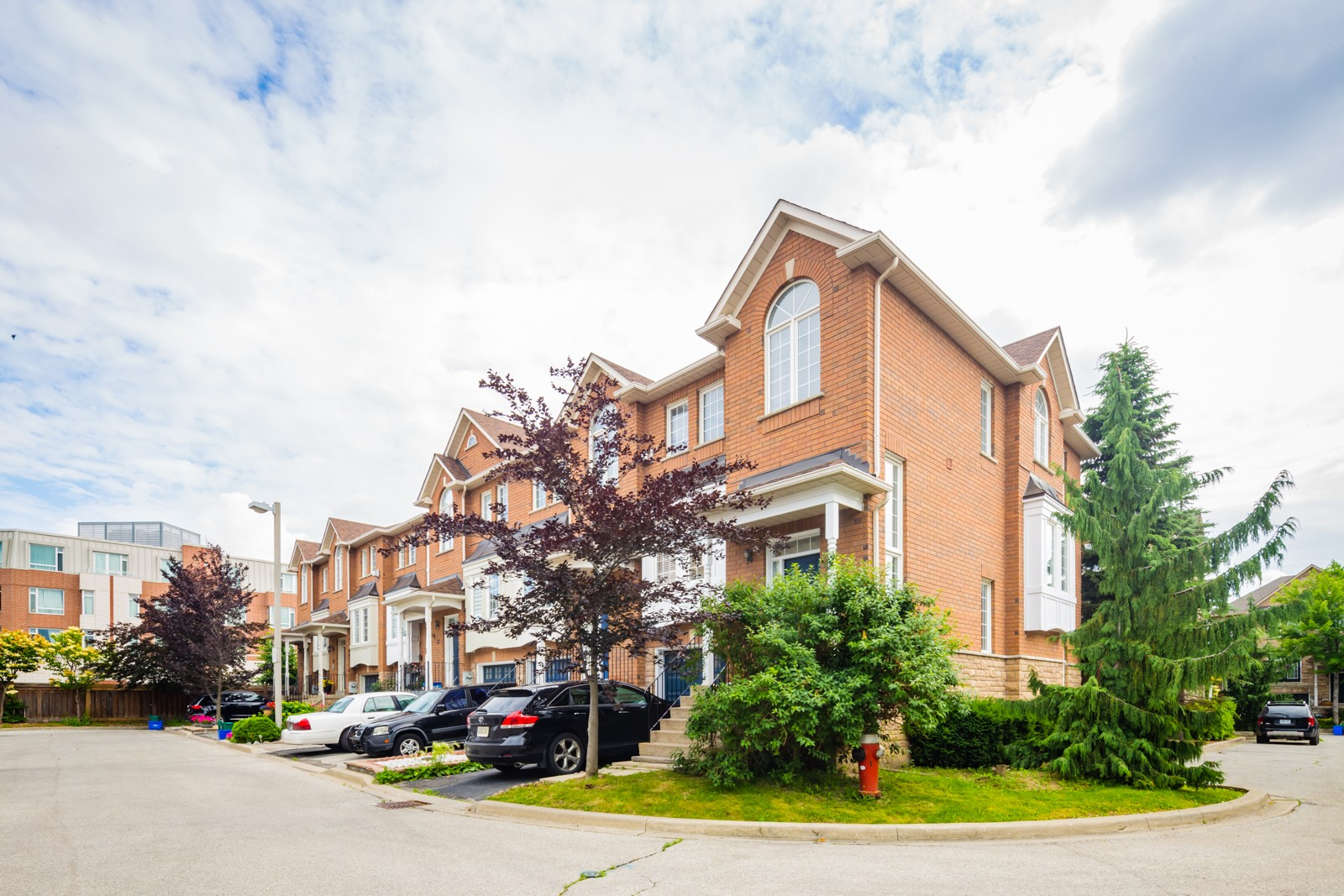 Eden Oak at 165 Fieldstone Dr, Vaughan 1