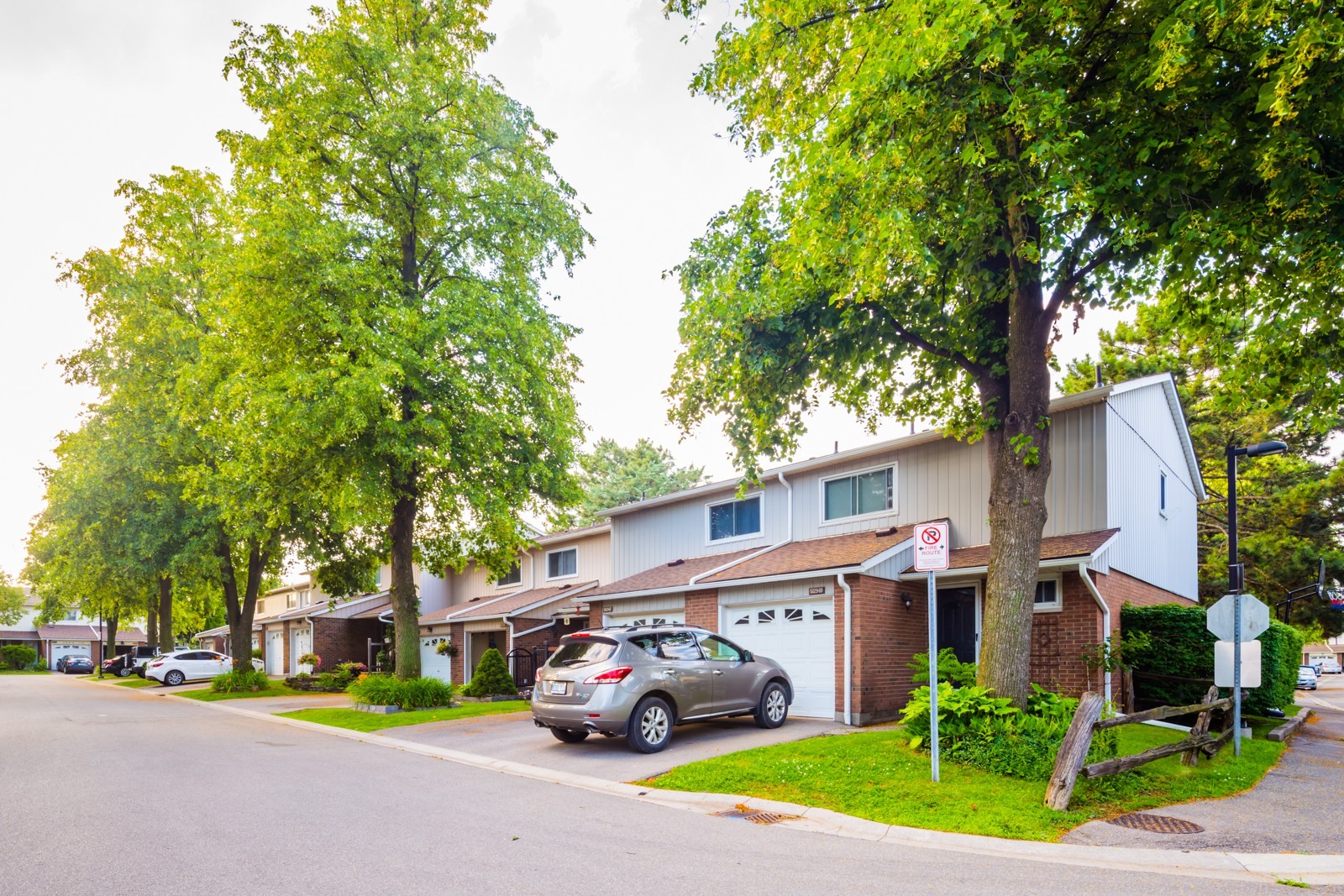 5021 Pinedale Ave Townhouses at 5009 Pinedale Ave, Burlington 1