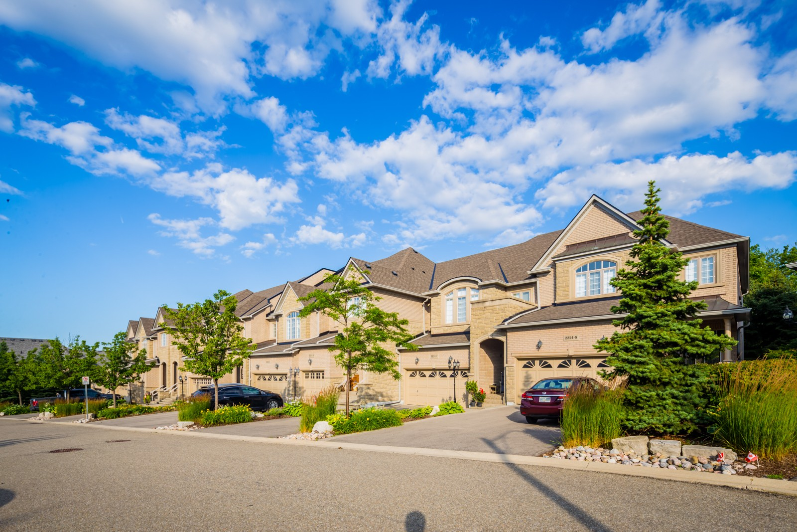 2250 Rockingham Dr Townhouses at 2250 Rockingham Dr, Oakville 1