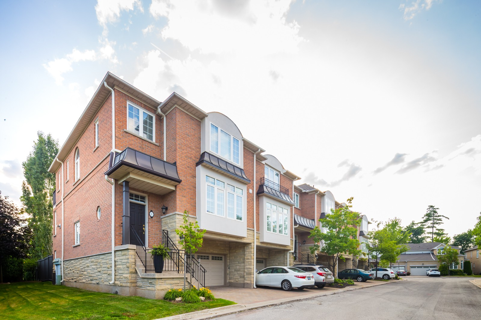 Forest Ridge at 1267 Dorval Dr, Oakville 0