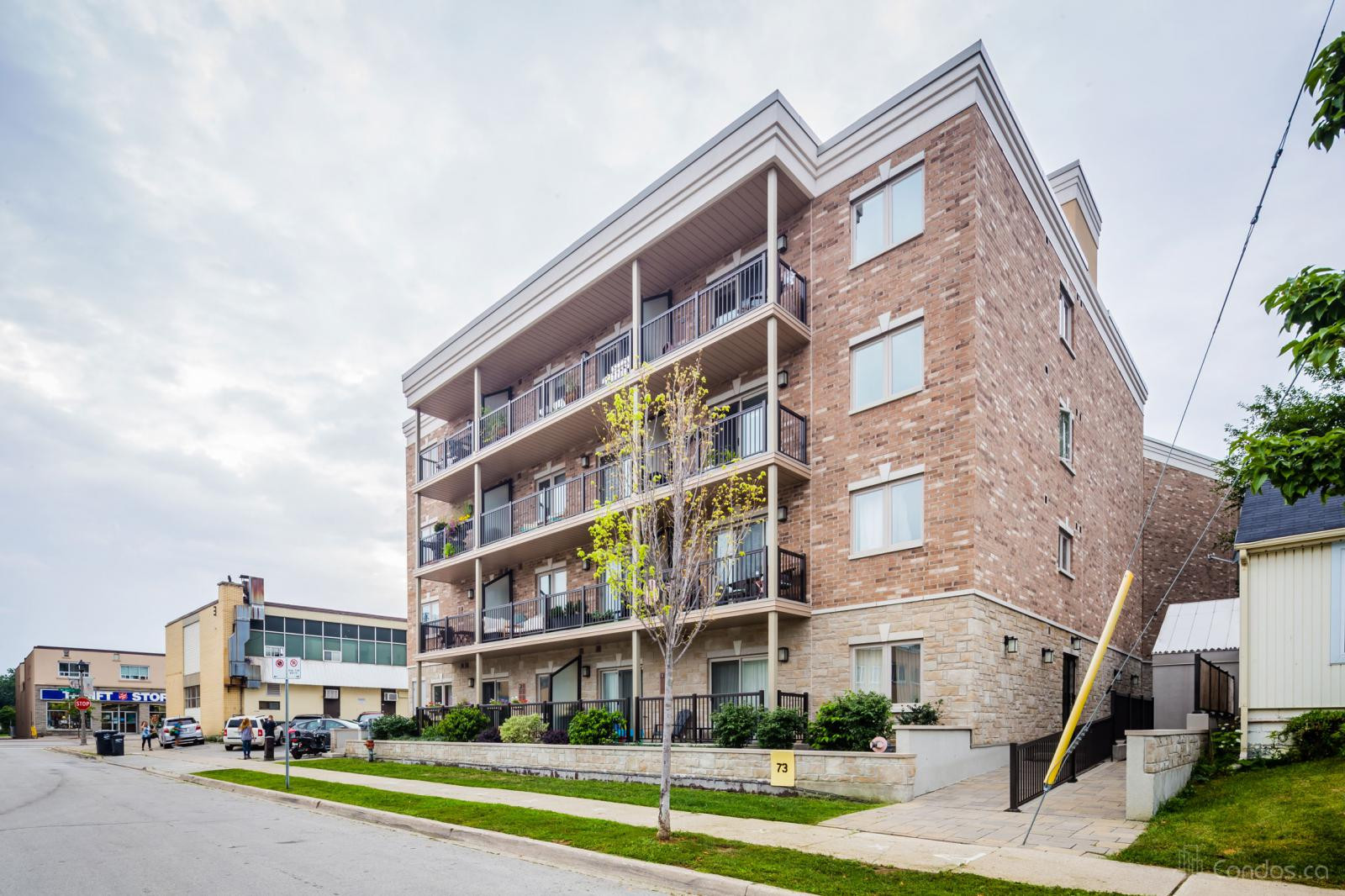 Princeton Manor Condos at 73 Washington Ave, Oakville 0