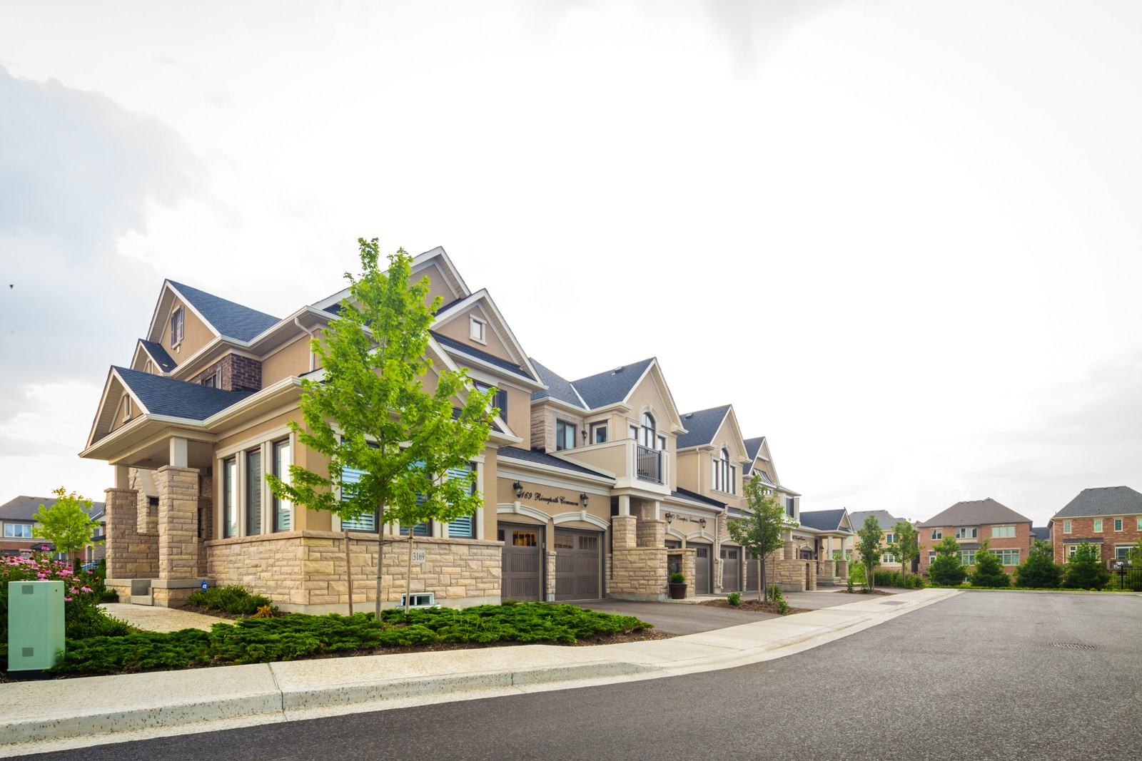 3169 Riverpath Common Townhomes at 3195 Carding Mill Trail, Oakville 1
