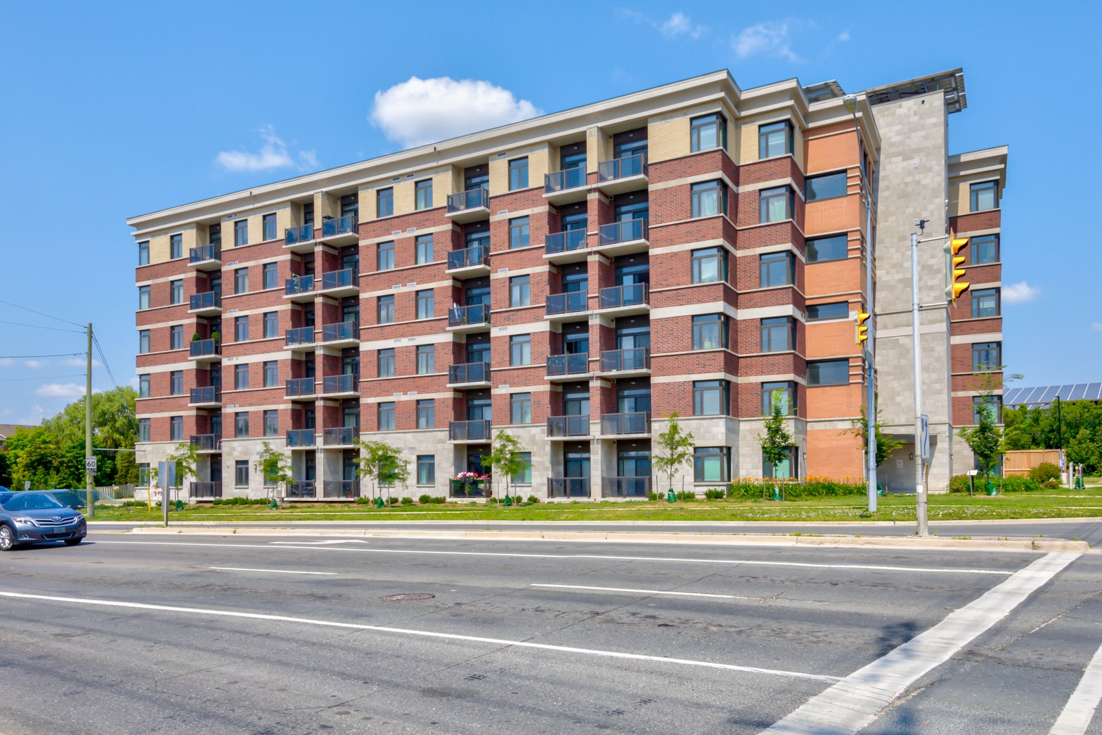 Greenlife Midtown Markham Condos at 7768 Kennedy Rd, Markham 1