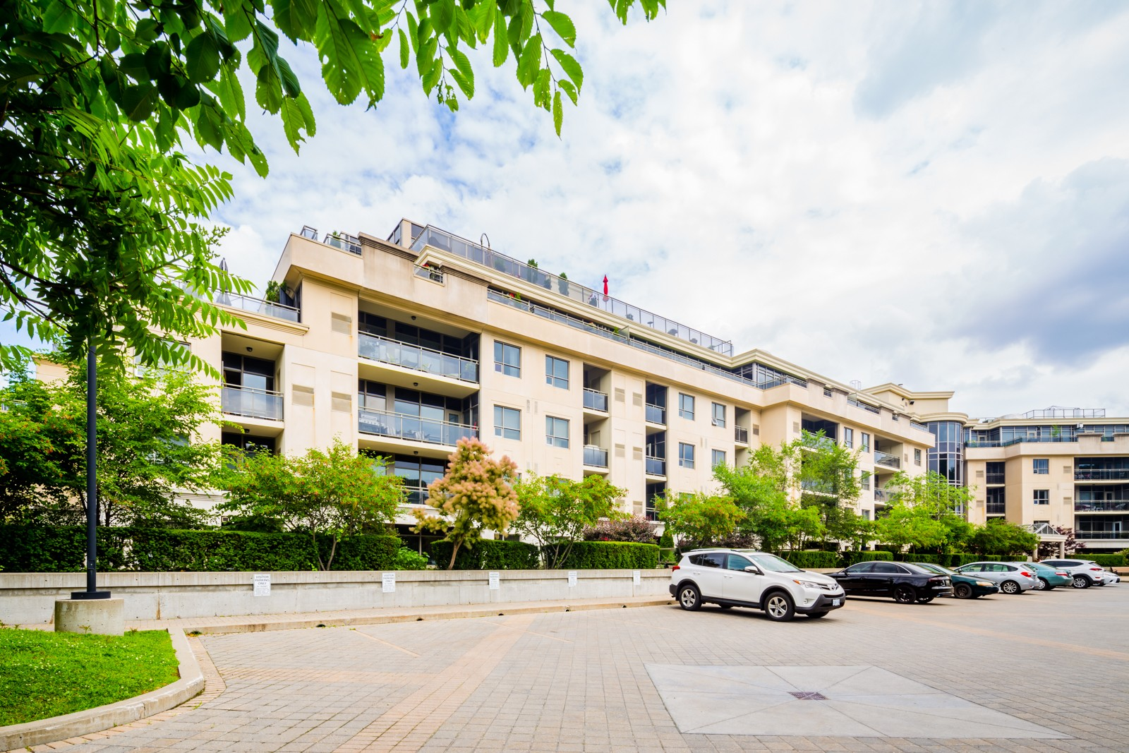 8209 Islington Ave Condos at 8201 Islington Ave, Vaughan 0