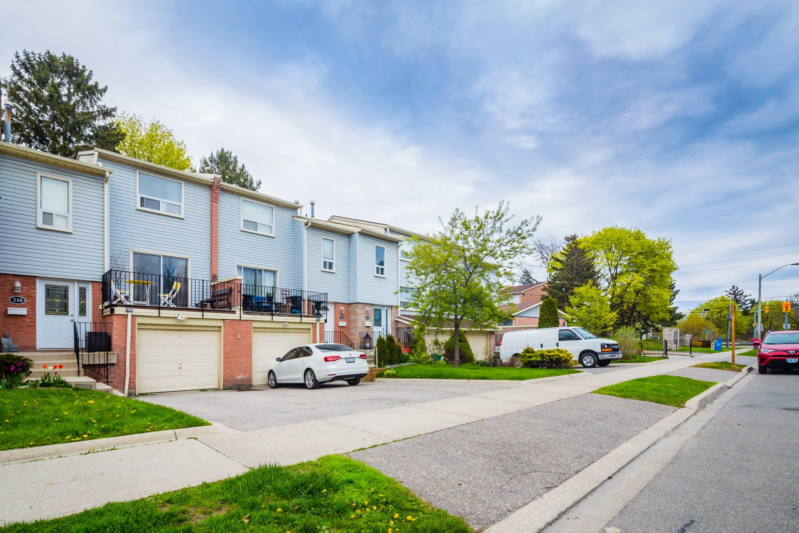 1055 Shawnmarr Road Townhouses at 1055 Shawnmarr Rd, Mississauga 1