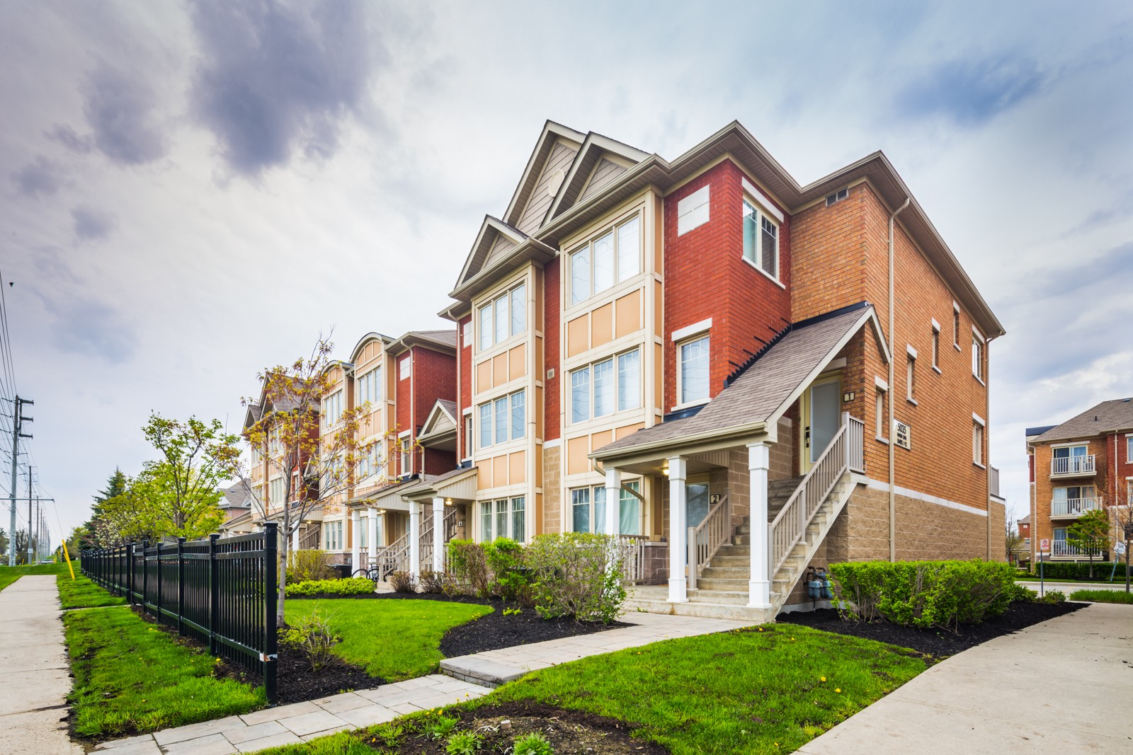 5025-5035 Ninth Line Townhouses at 3985 Eglinton Ave W, Mississauga 0