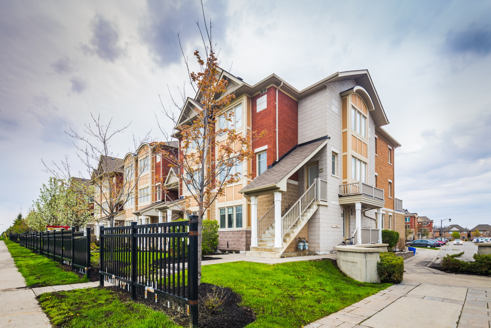 5025-5035 Ninth Line Townhouses at 3985 Eglinton Ave W, Mississauga 1