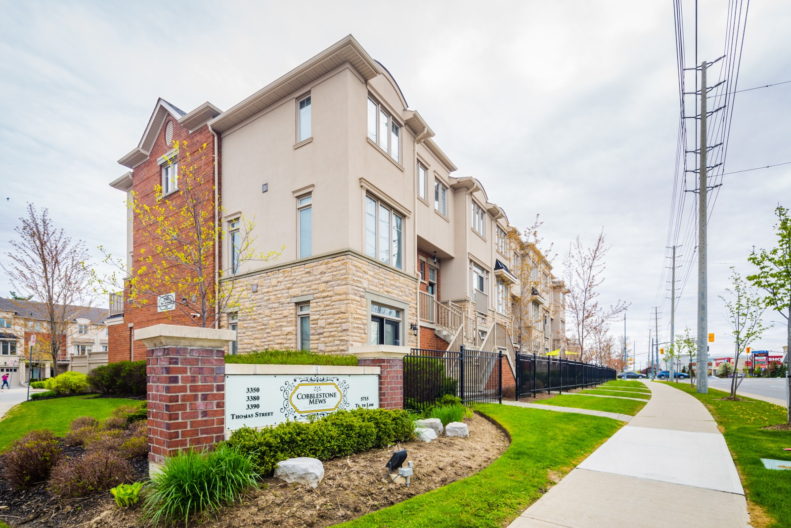 Cobblestone Mews at 3350 Thomas St, Mississauga 0