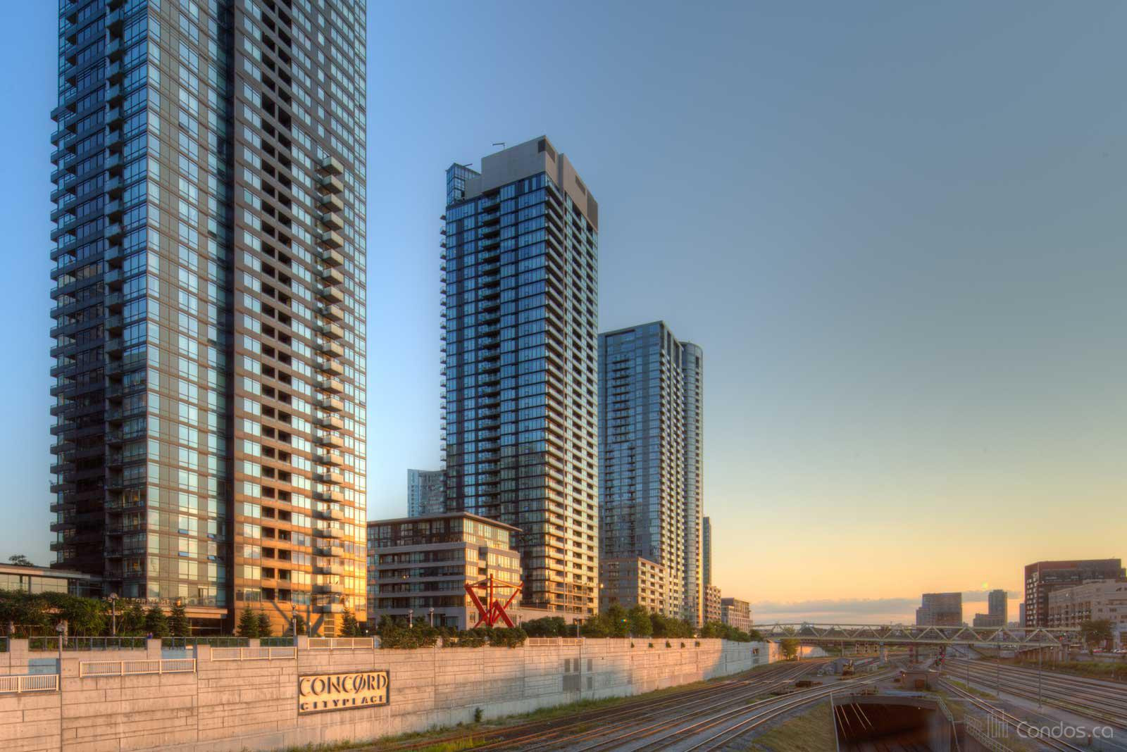 Luna | Luna Vista at Cityplace at 25 Capreol Crt, Toronto 1