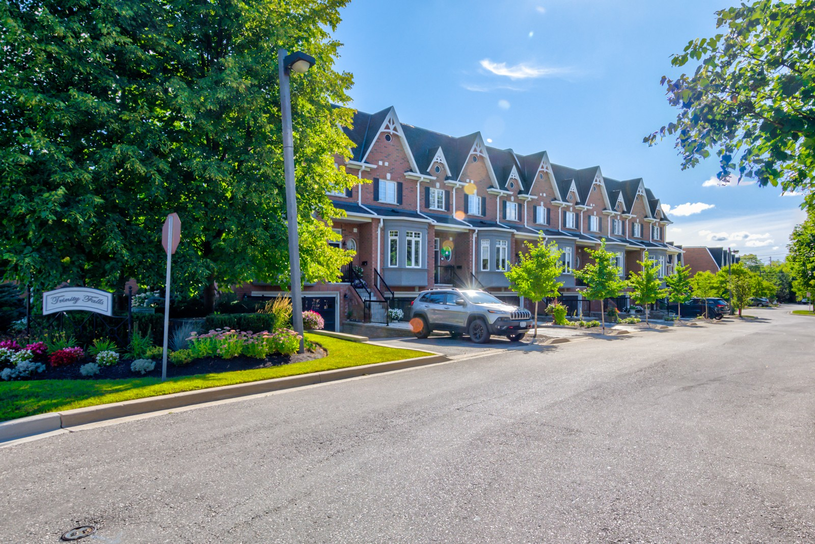 29 Ellen Street Townhomes at 85 Church St, Mississauga 0