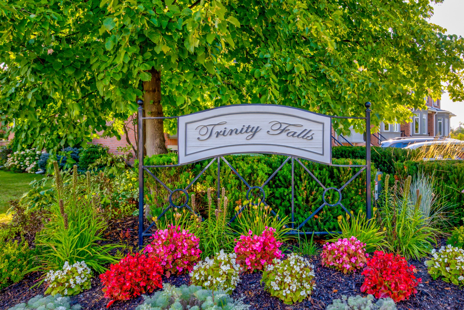 29 Ellen Street Townhomes at 85 Church St, Mississauga 1