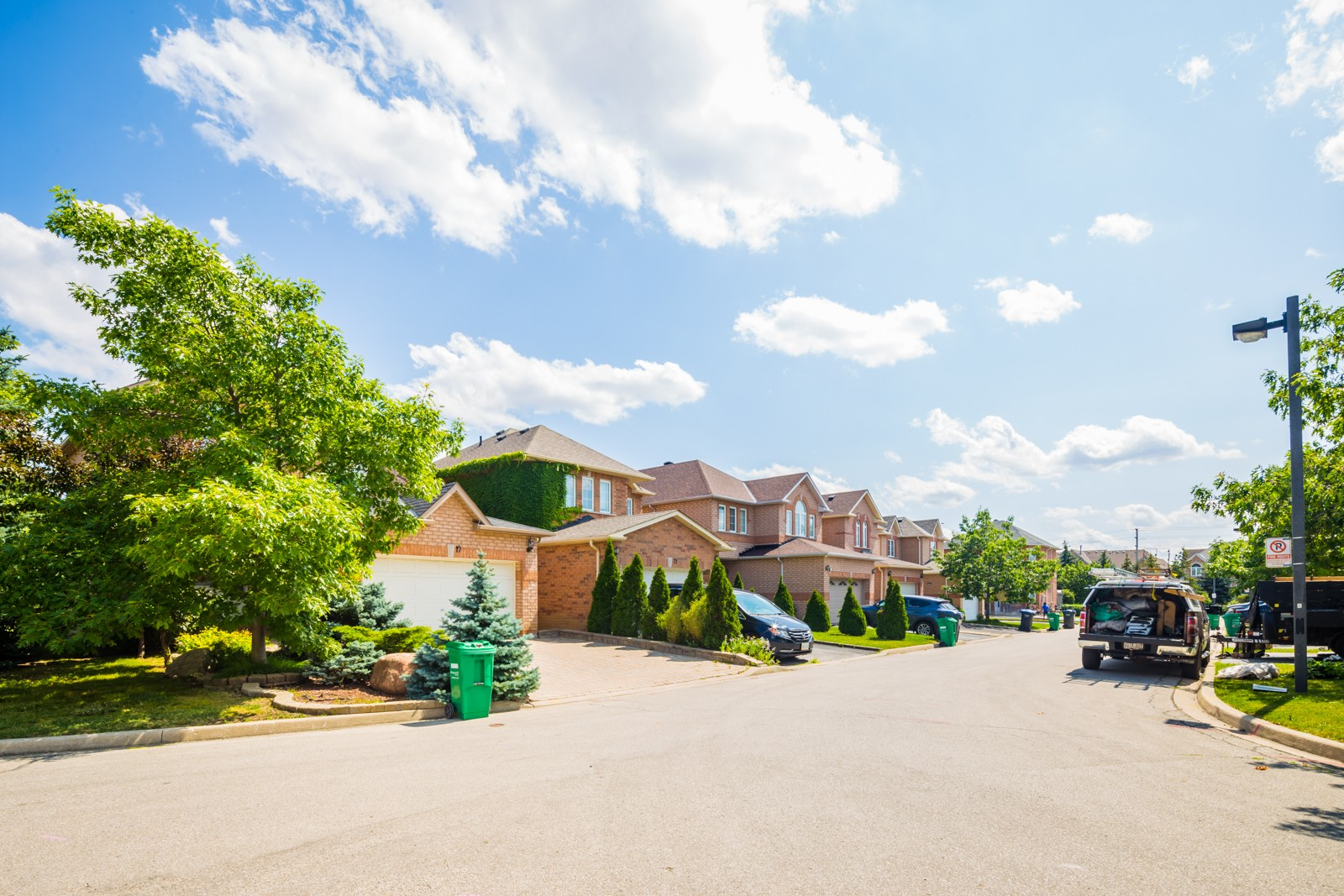 530 Driftcurrent Drive Townhouses at 530 Driftcurrent Dr, Mississauga 1