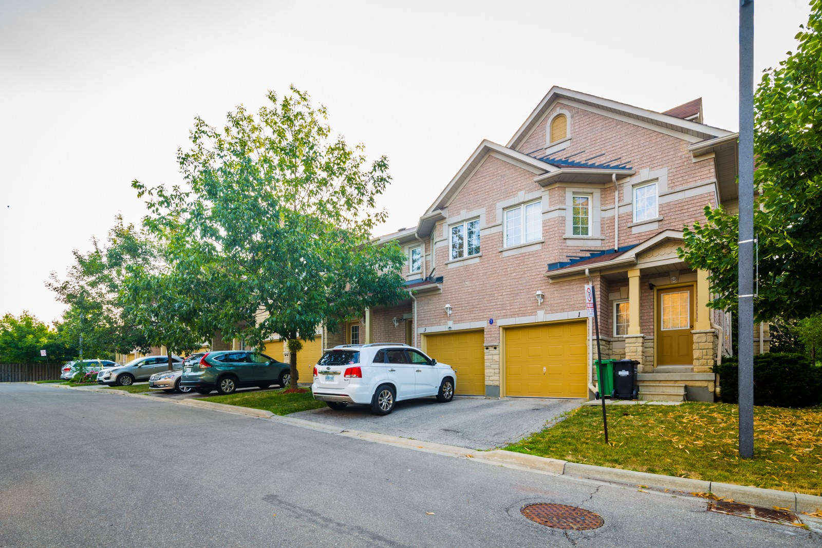 3150-3190 Pinto Place Townhouses at 3150 Pinto Pl, Mississauga 1