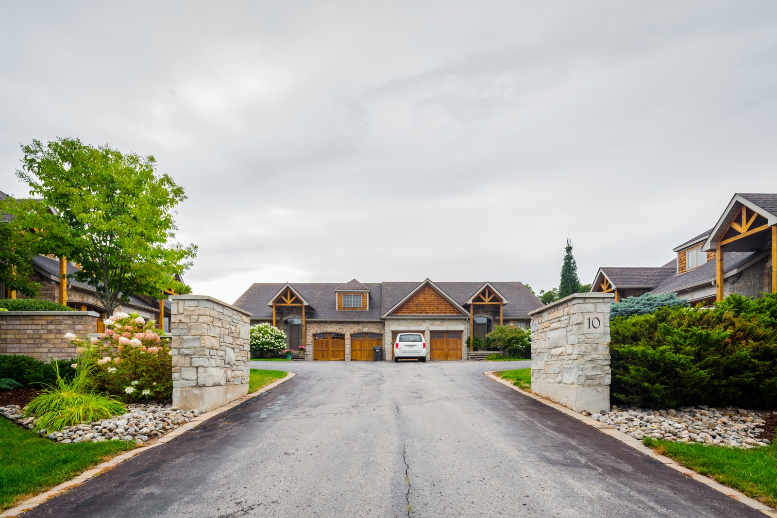 10 Zimmerman Drive Townhouses at 10 Zimmerman Dr, Caledon 1