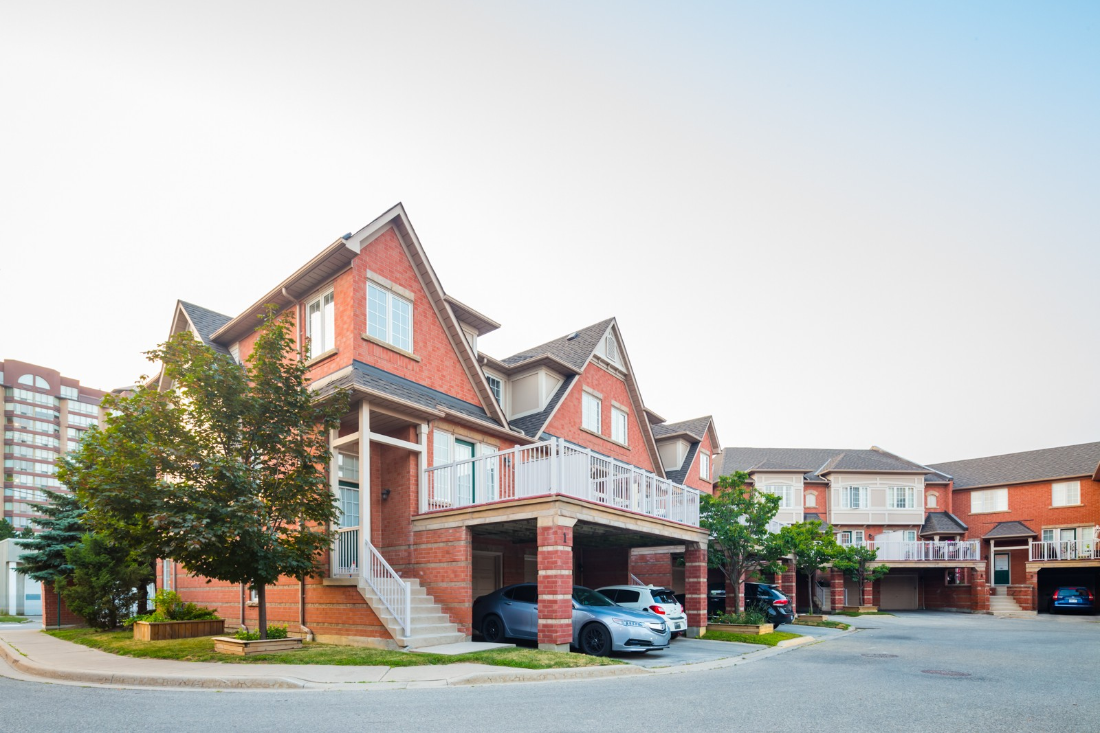 Fairfield Village at 38 Fairview Rd W, Mississauga 1