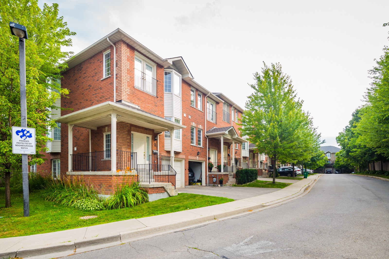 Peartree Estates at 1130 Cawthra Rd, Mississauga 1