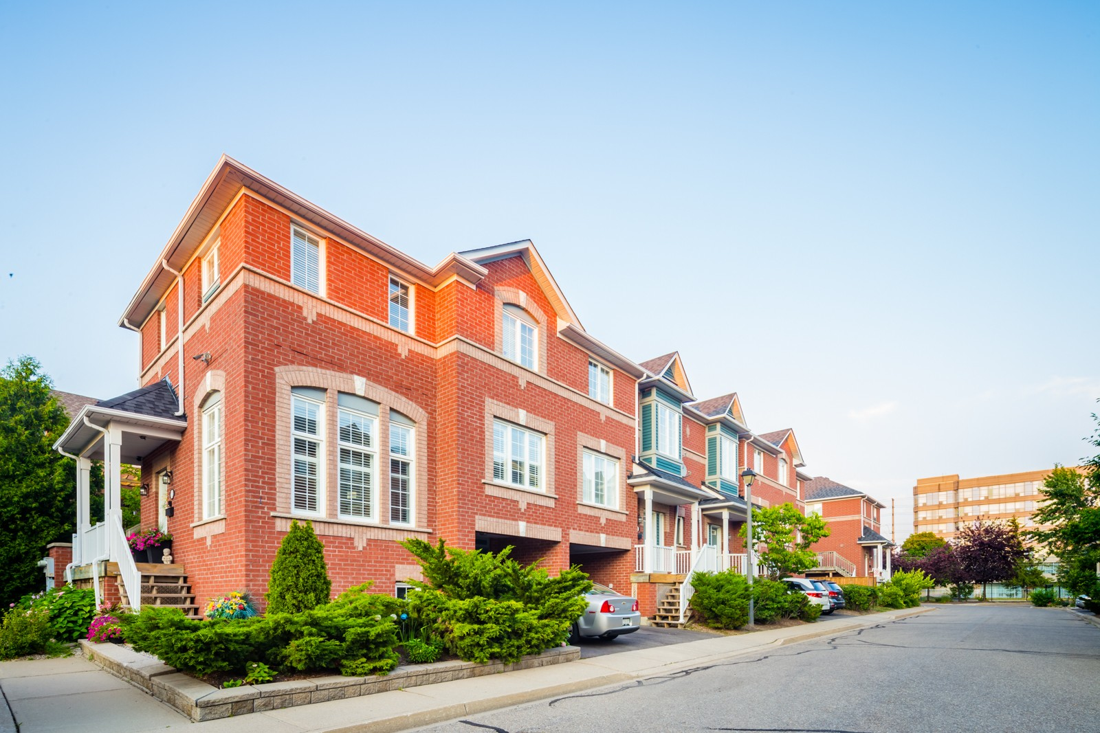 5031 East Mill Road Townhouses at 5031 E Mill Rd, Mississauga 1