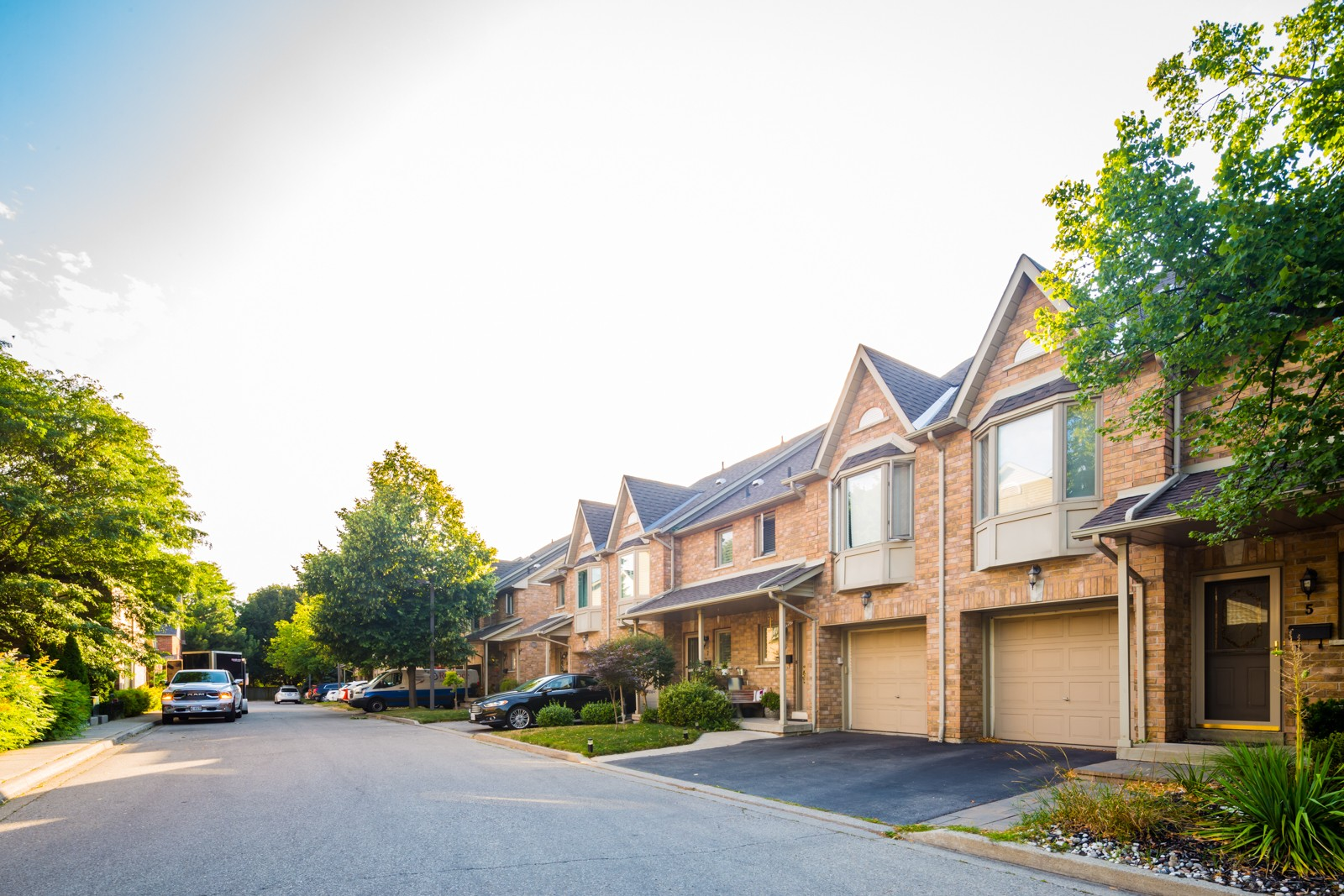 1385 Lakeshore Road West Townhouses at 1385 Lakeshore Rd W, Mississauga 1