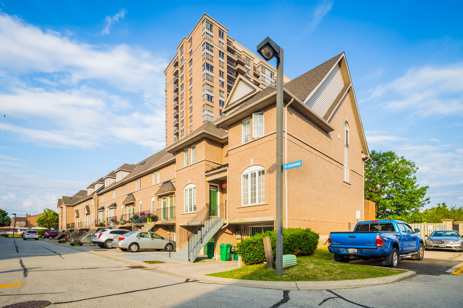 75 Strathaven Drive Townhouses at 75 Strathaven Dr, Mississauga 0