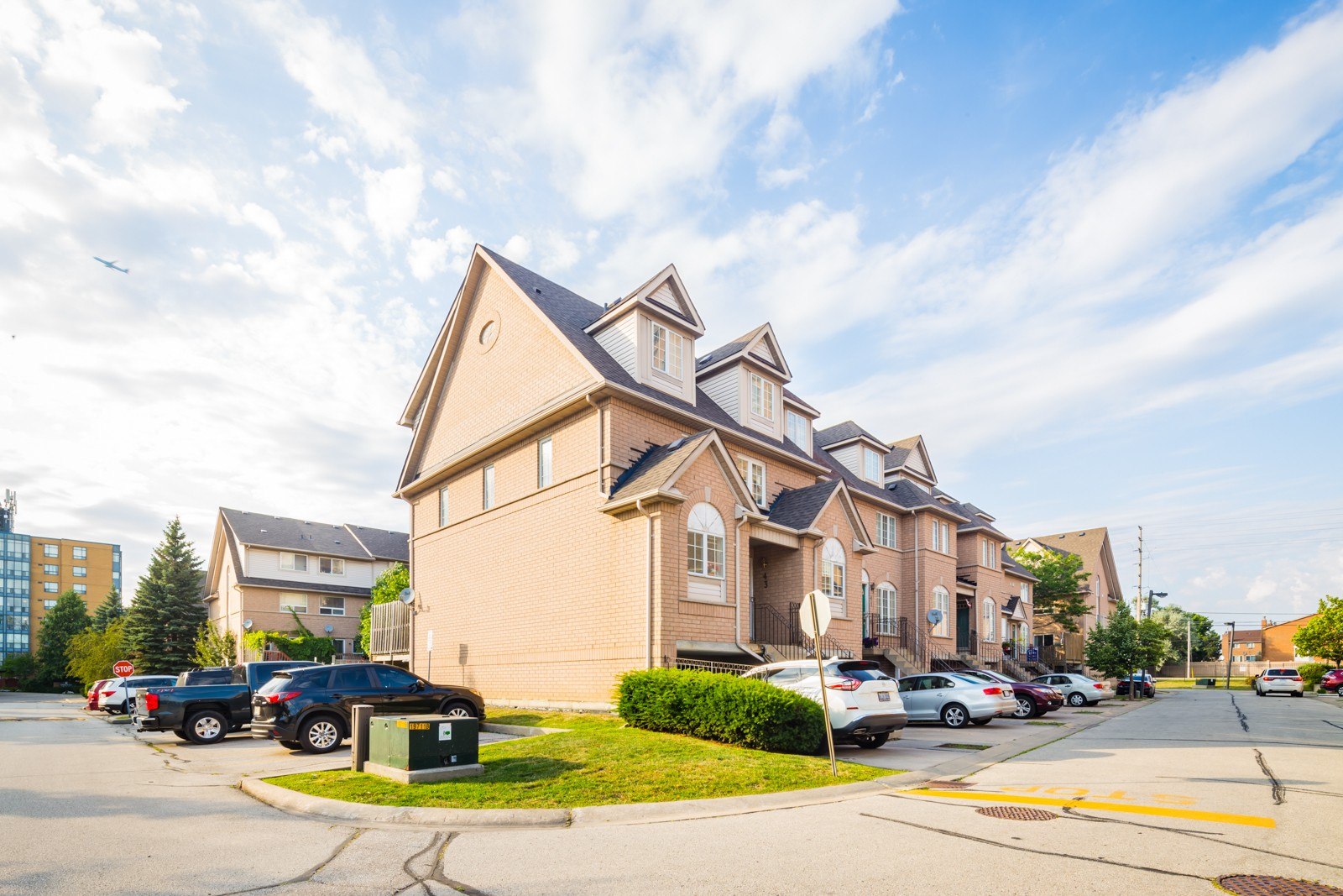 75 Strathaven Drive Townhouses at 75 Strathaven Dr, Mississauga 1