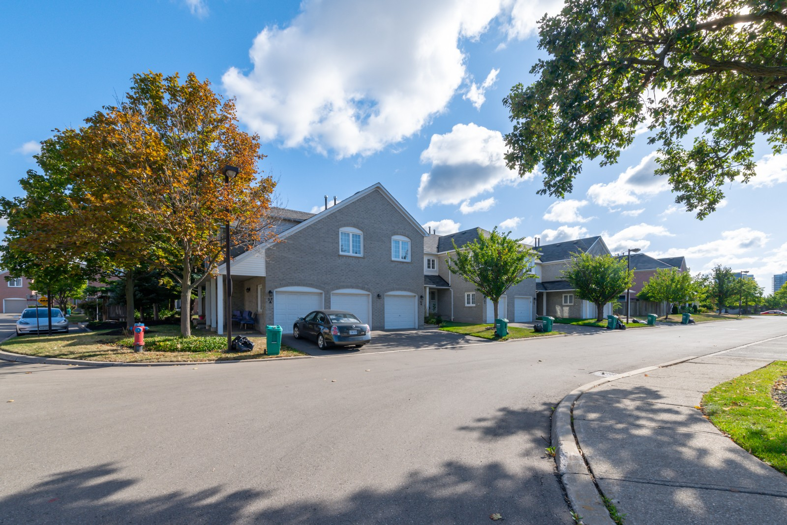 5205 Glen Erin Drive Townhouses at 5205 Glen Erin Dr, Mississauga 1