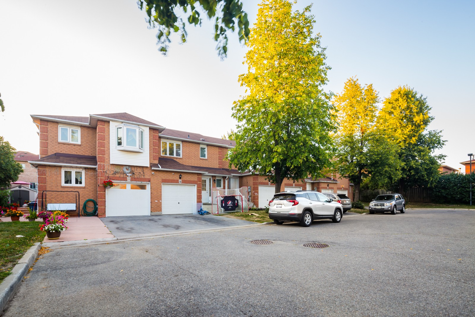 1 Shirley Place Townhouses at 1 Shirley Pl, Brampton 1