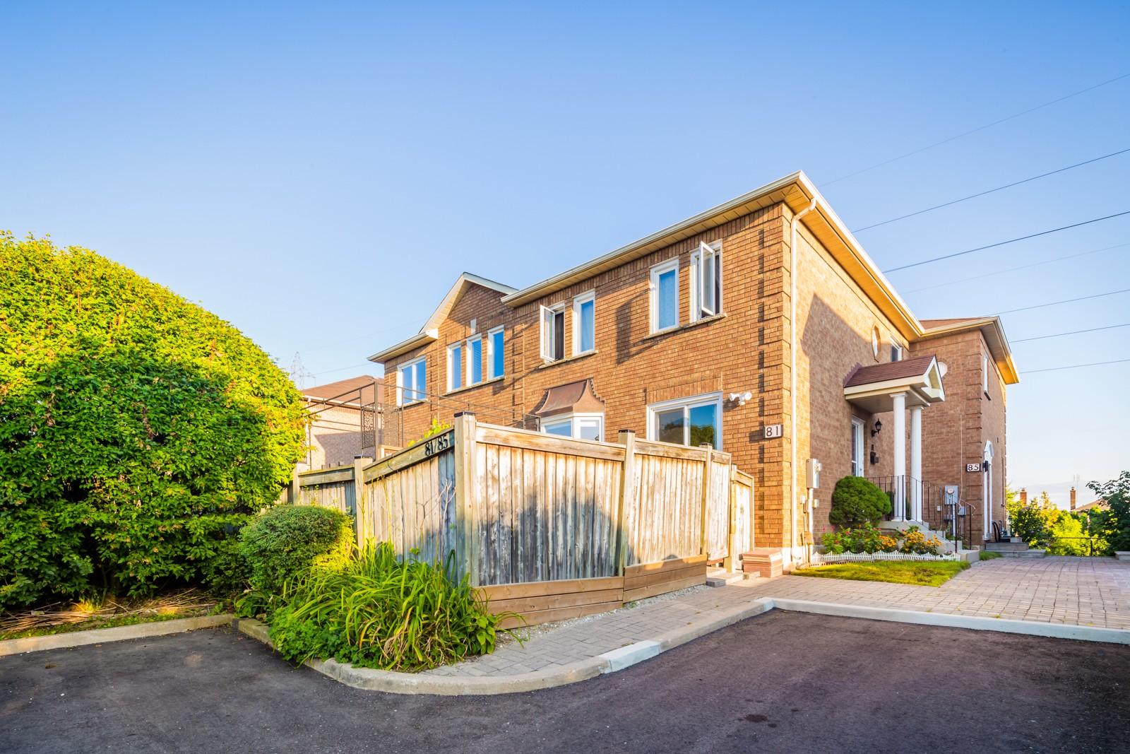 121 Millstone Drive Townhouses at 109 Millstone Dr, Brampton 1