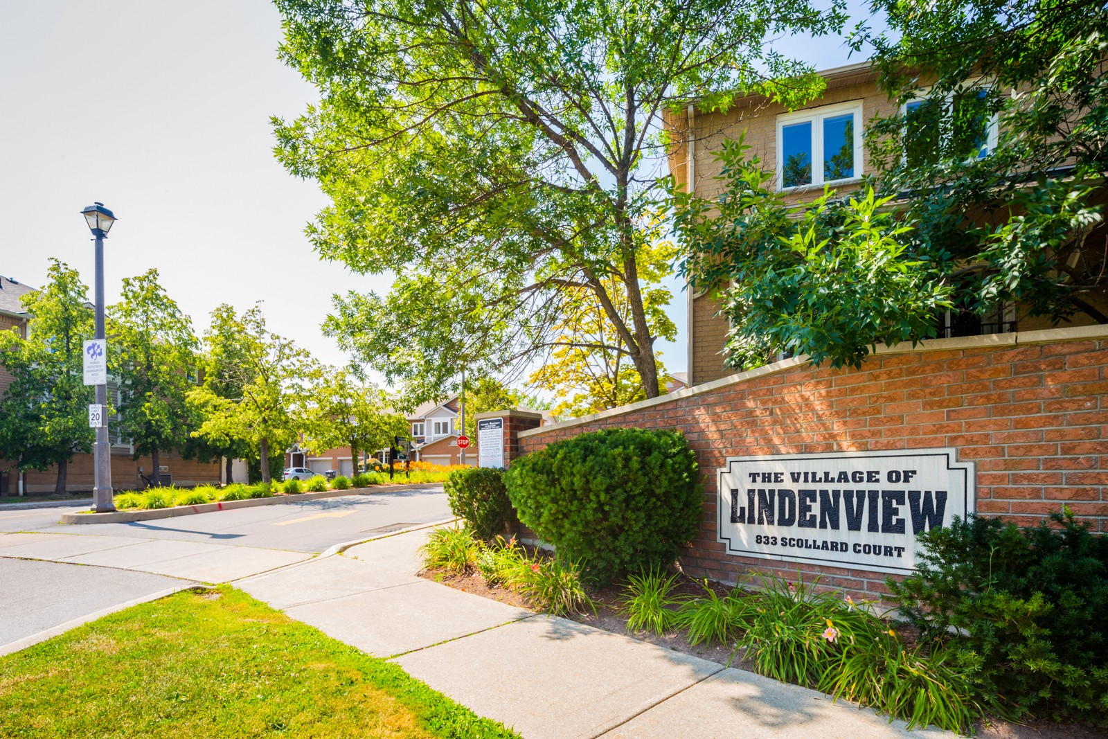 The Village of Lindenview at 833 Scollard Crt, Mississauga 0
