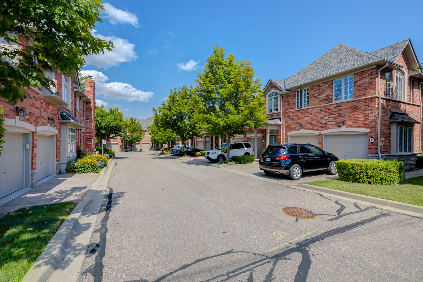 2355 Fifth Line West Townhouses at 2355 Fifth Line W, Mississauga 1