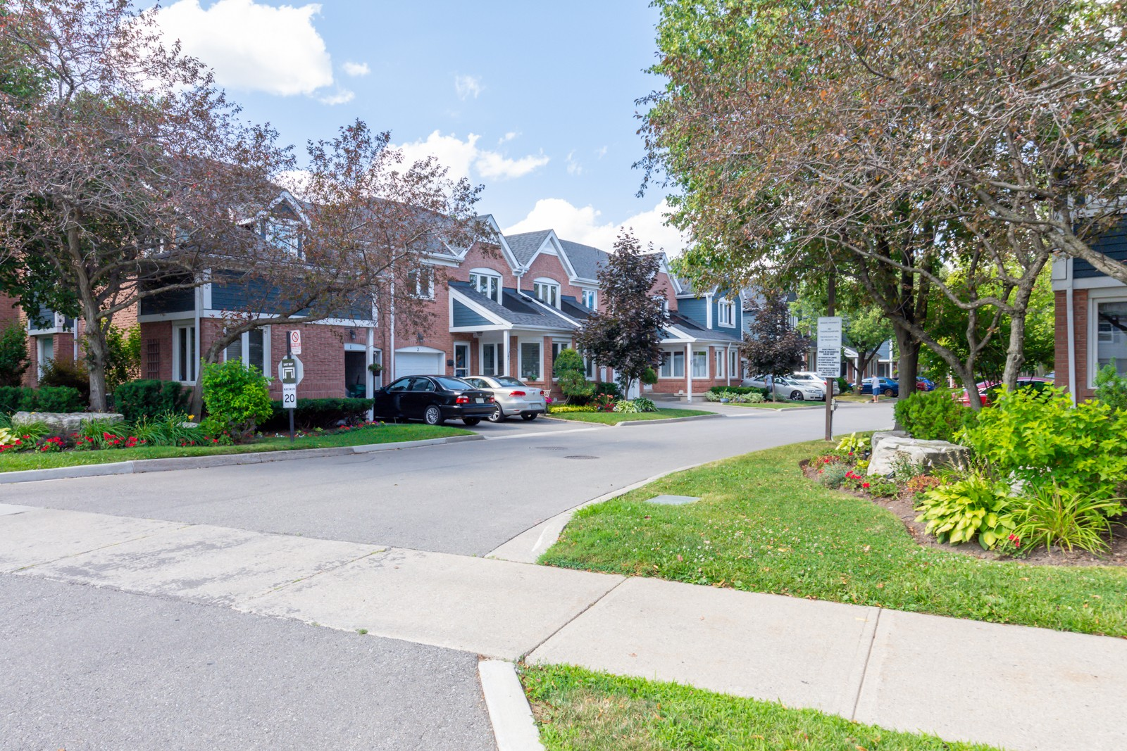 2155 South Millway Townhouses at 2155 South Millway, Mississauga 1