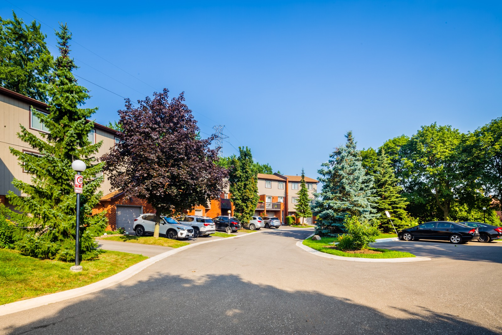 1755 Rathburn Road East Townhouses at 1755 Rathburn Rd E, Mississauga 0