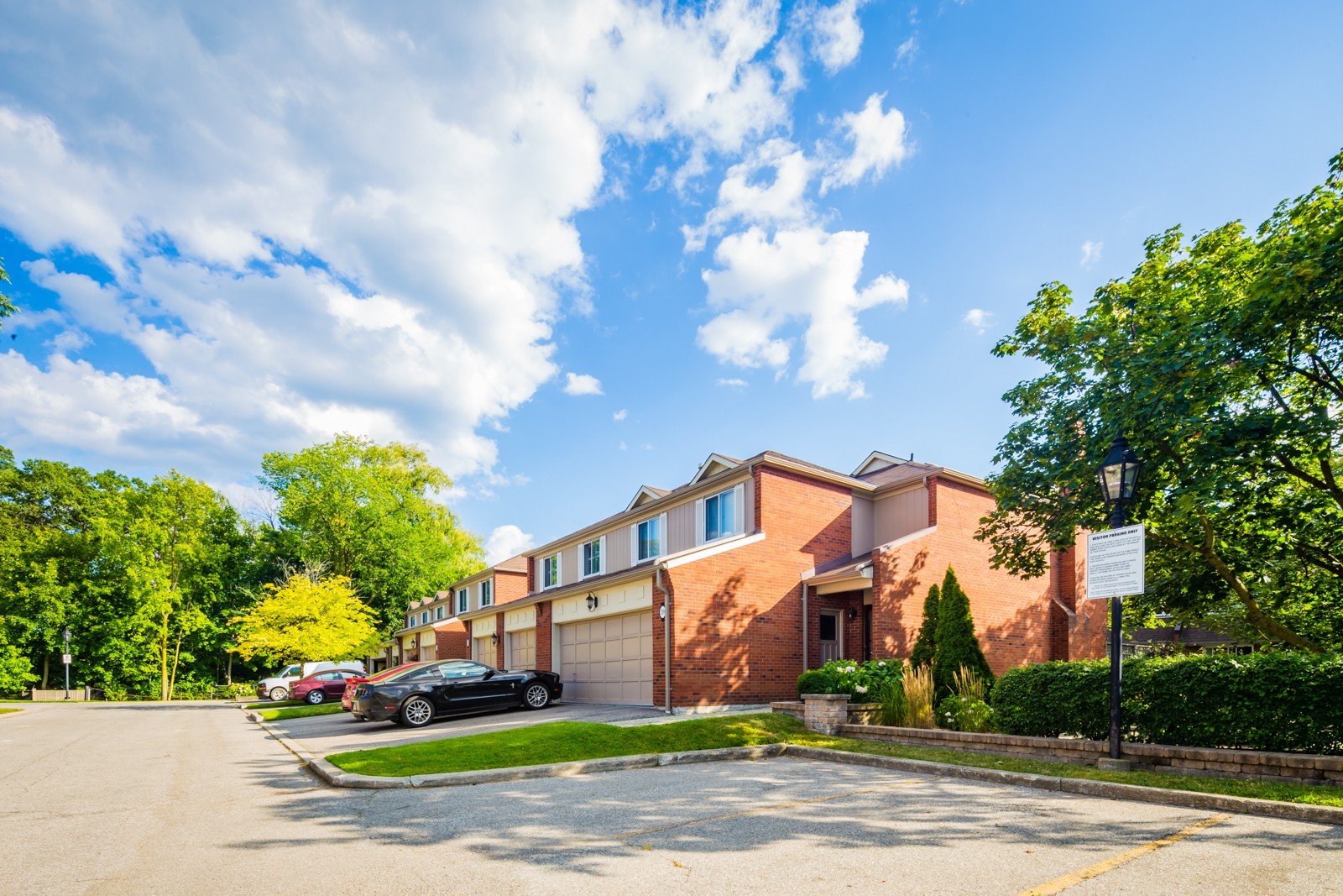 150 South Service Road Townhouses at 150 S Service Rd, Mississauga 0