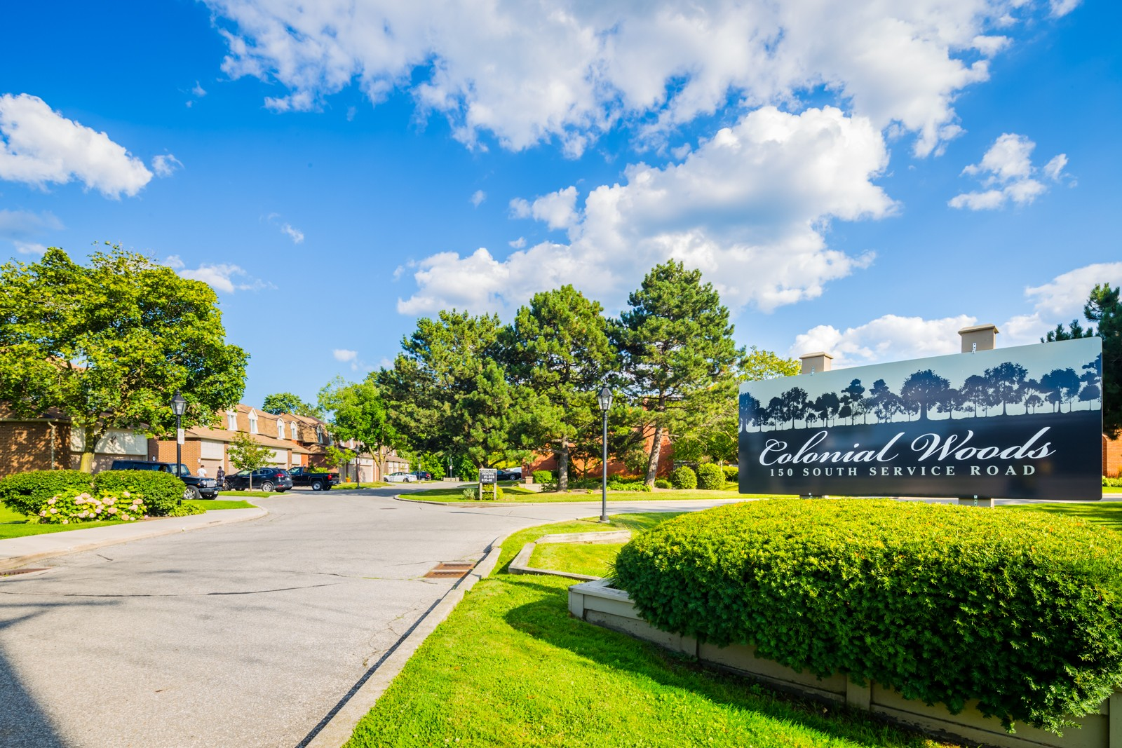 150 South Service Road Townhouses at 150 S Service Rd, Mississauga 1