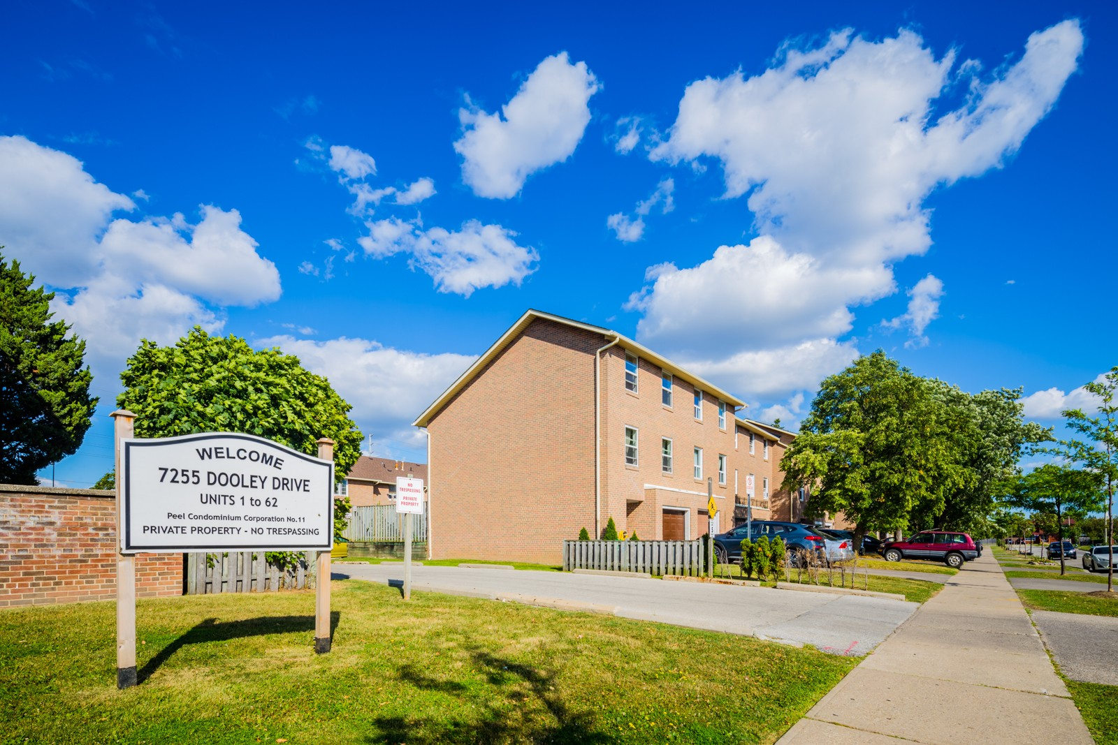 7255 Dooley Townhouses at 7255 Dooley Dr, Mississauga 1